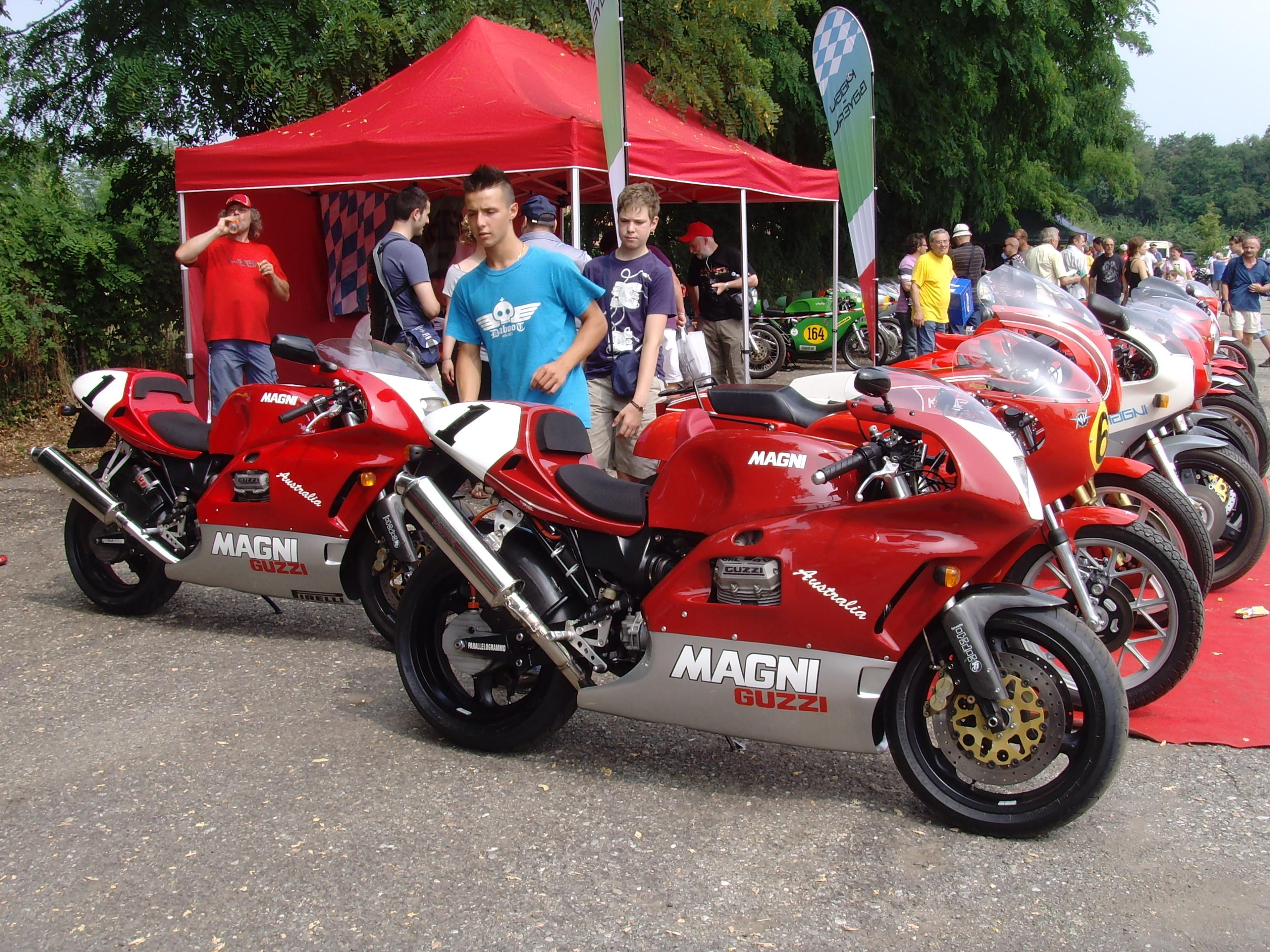 Moto Guzzi Australia Magni