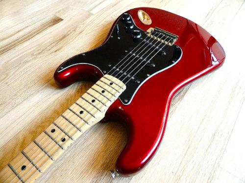 File:Matao Super Rocker Stratocaster Candy Apple Red 03 jpg