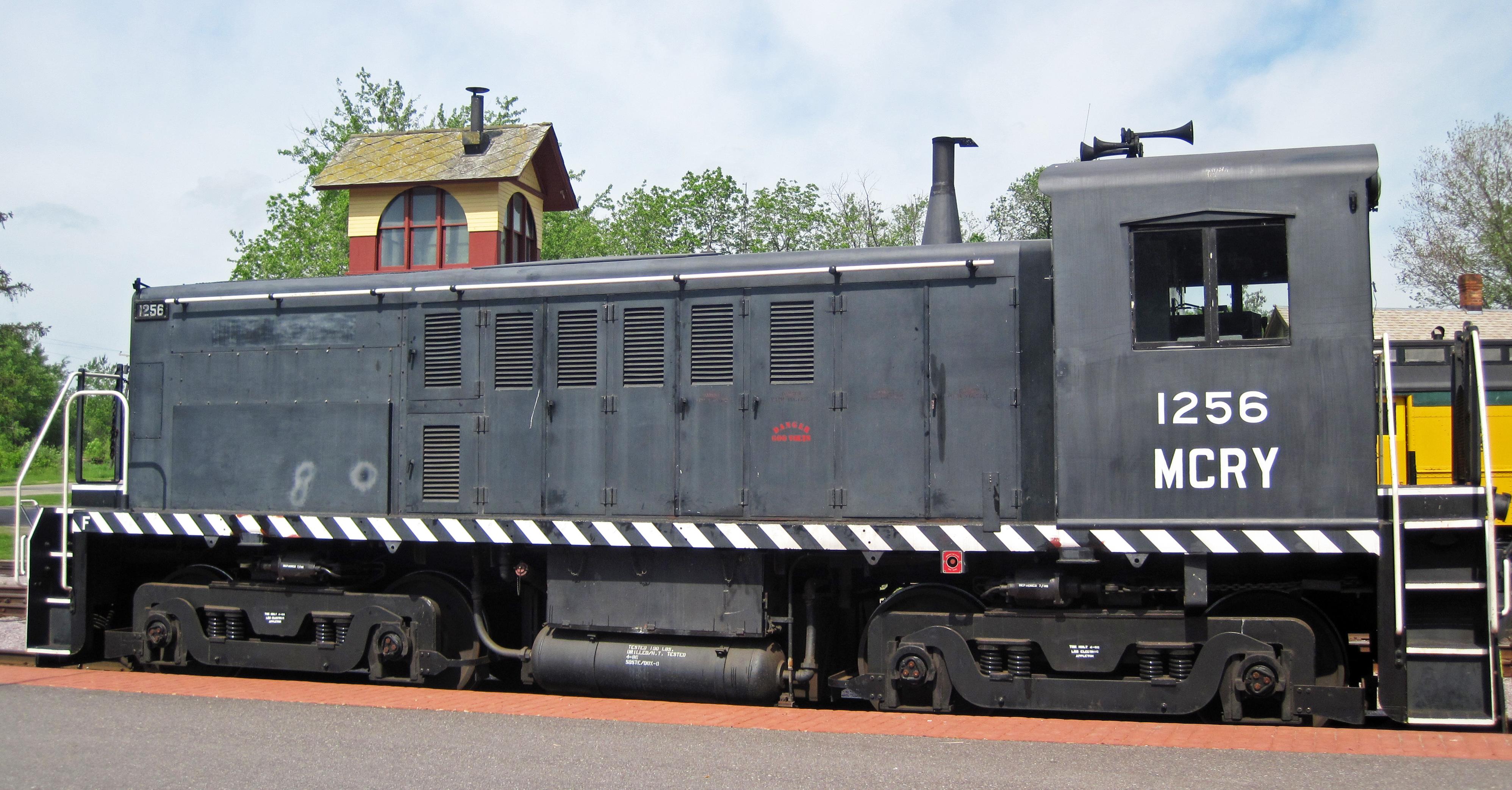 file mid continent railway 1256 diesel locomotive baldwin rs 4 tc rh commons wikimedia org Encevac with Havlogen TC 4 SC TC 4
