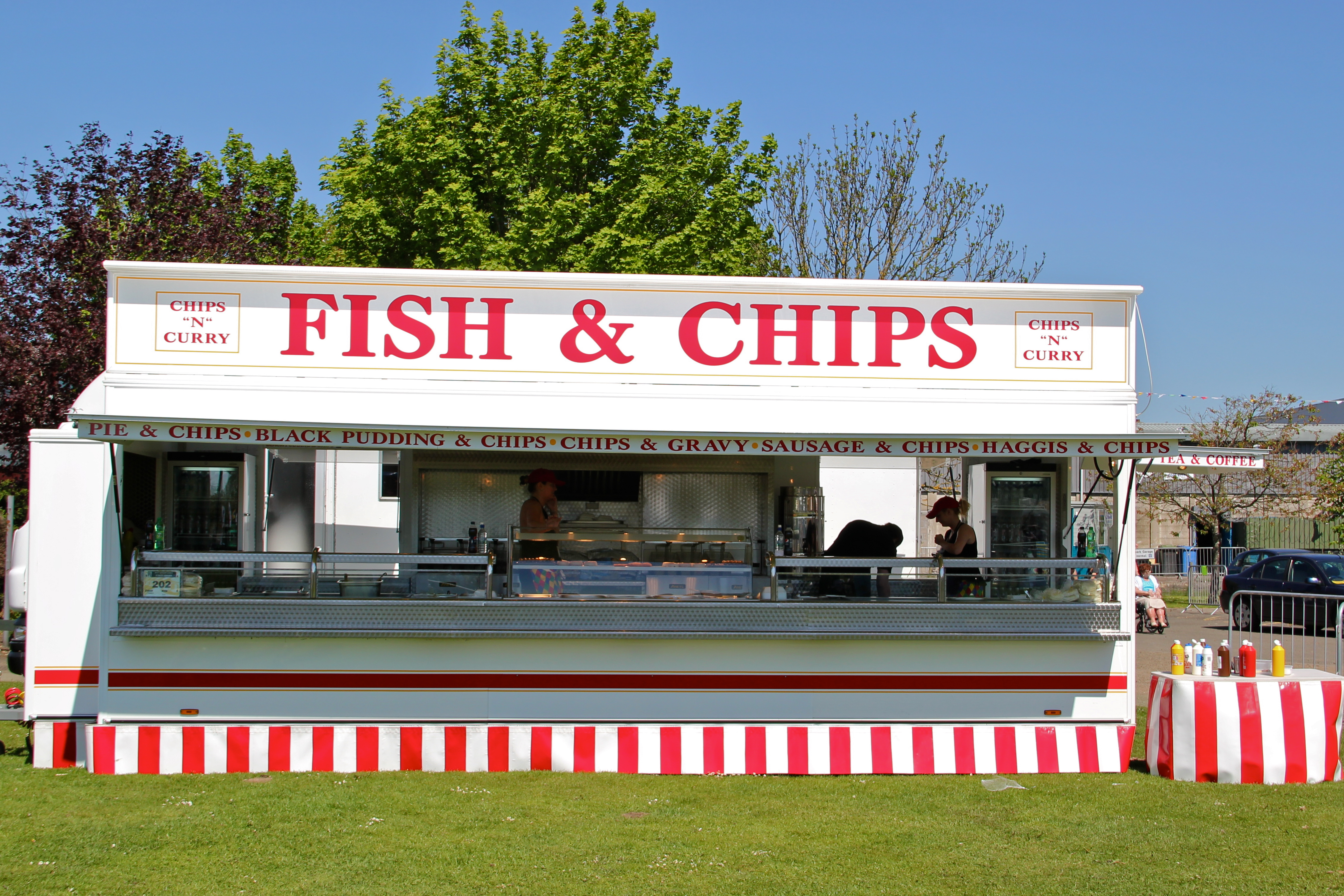 File mobile fish and chips jpg wikimedia commons for The fish shop