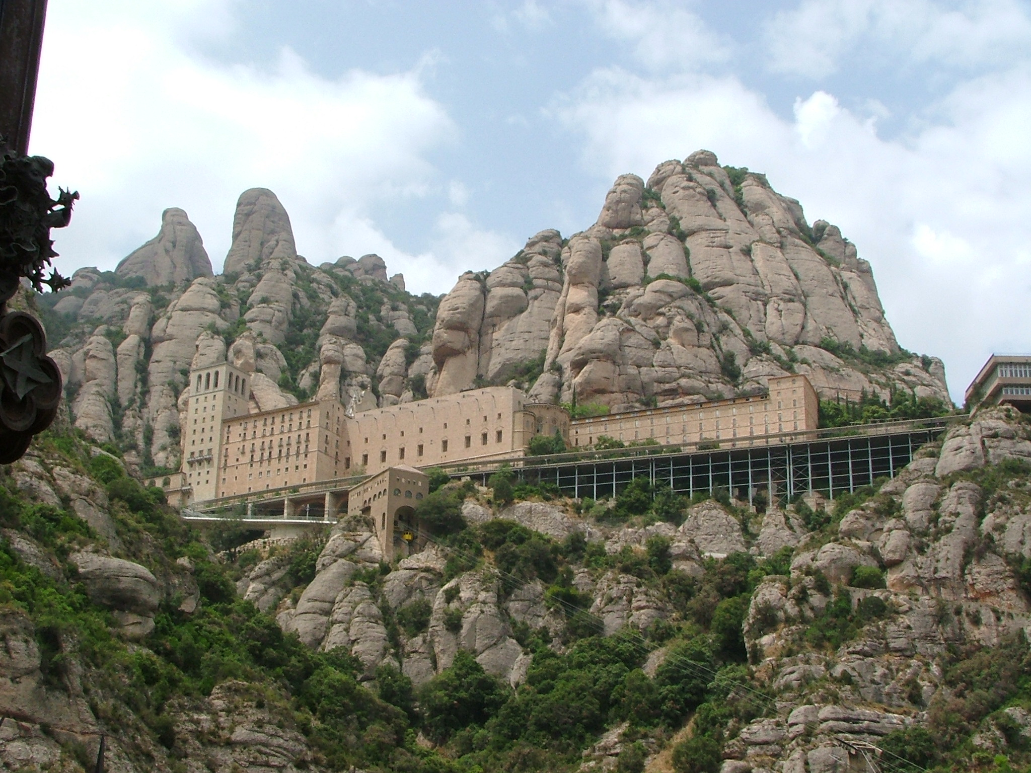 a history of the montserrat The sanctuary of the virgin mary of montserrat, has its historical origins in the hermitage of santa maria, which count guifré el pelós gave to the monastery of ripoll in the year 888.