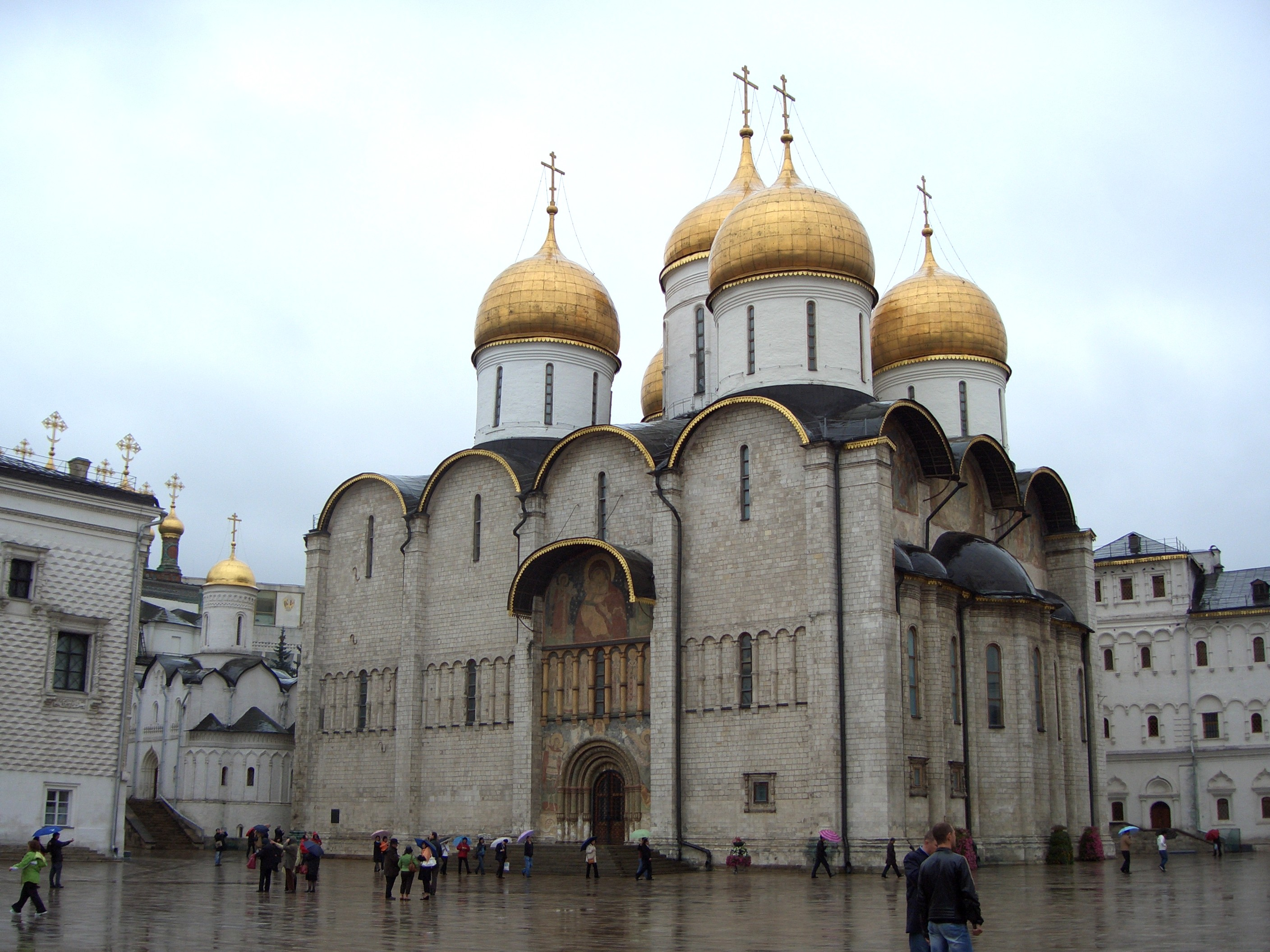 File:Moscow Kremlin Assumption Cathedral.jpg - Wikimedia ...