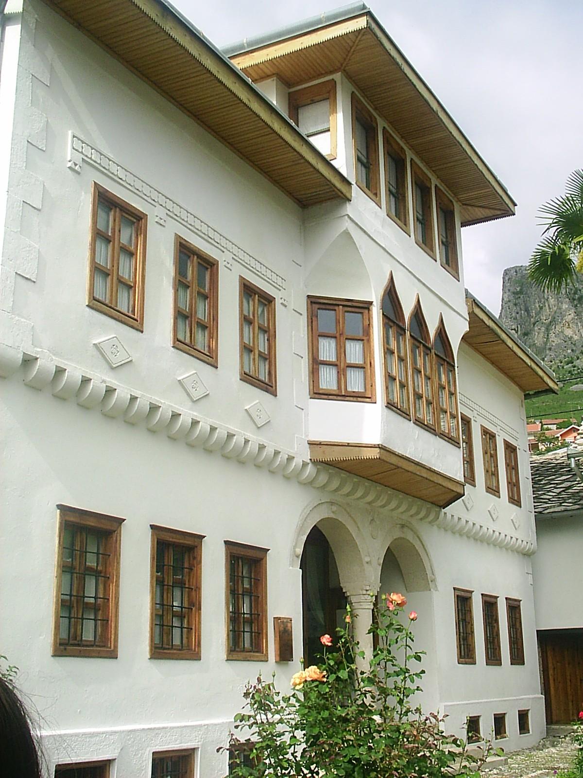 3 najpoznatije kuće u Mostaru