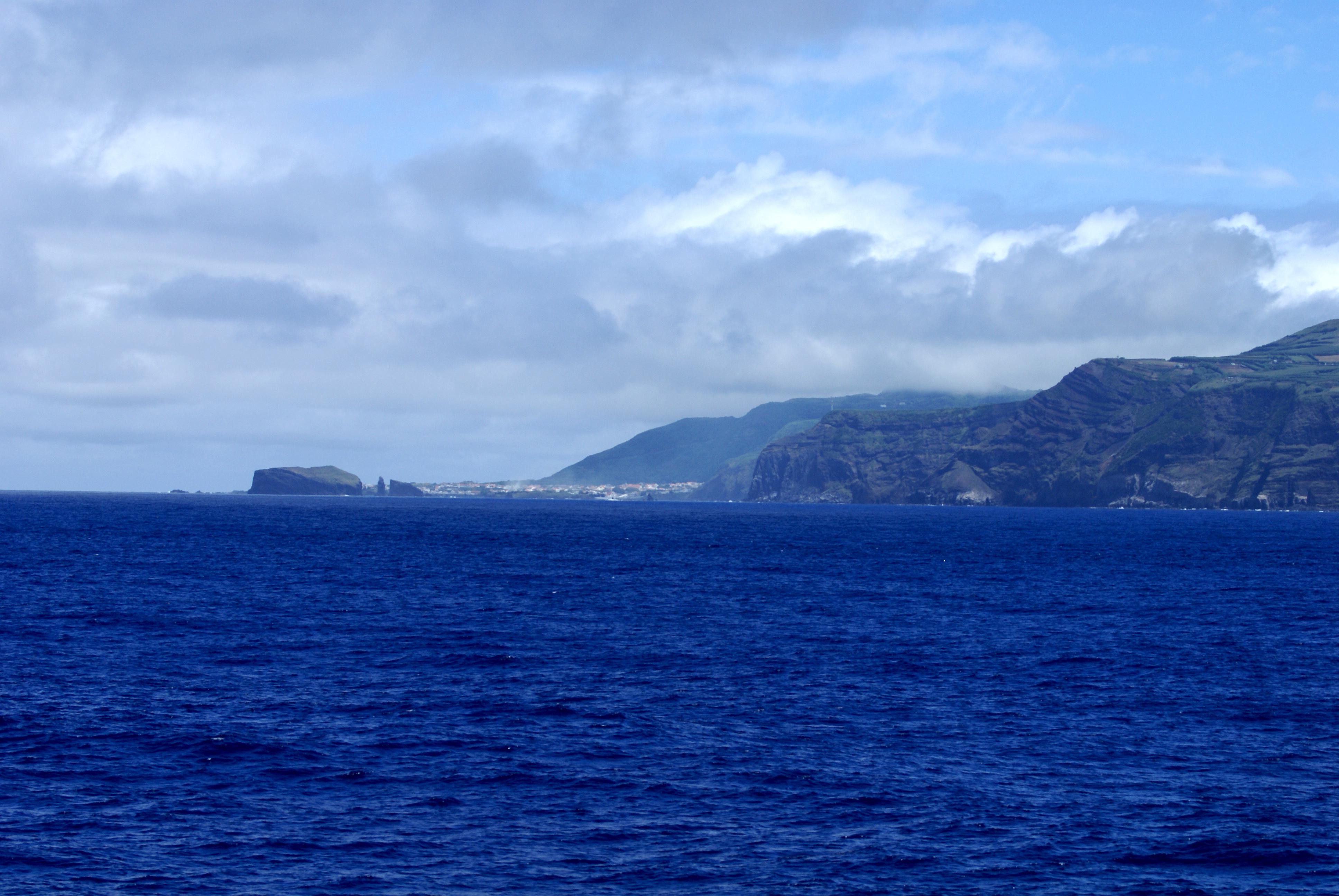 description mosteiro vistos do mar ponta delgada ilha de so miguel