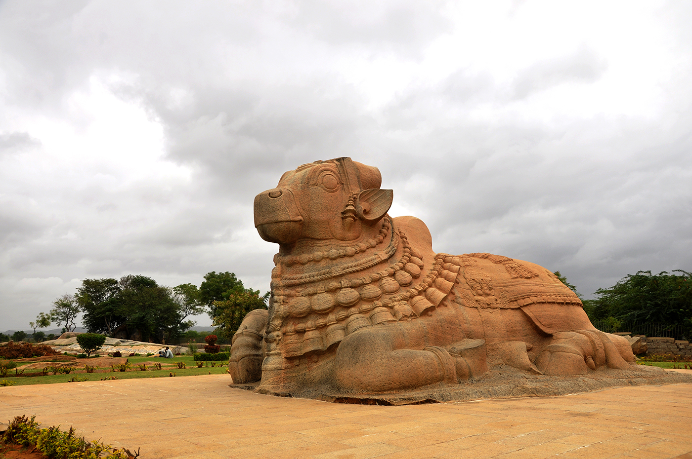 File:Nandi Lepakshi Temple Hindupur 5.jpg - Wikimedia Commons