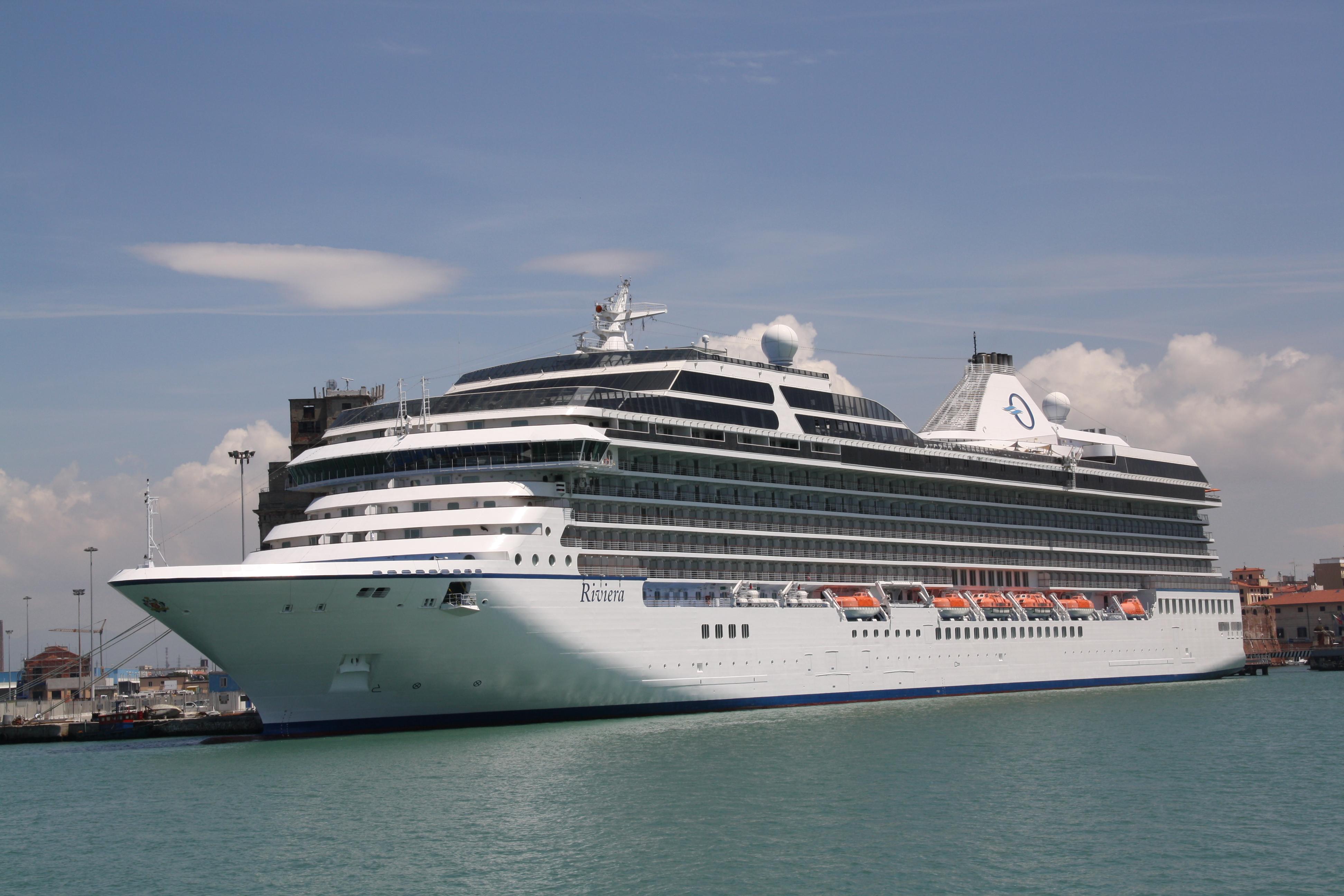 File:Oceania Cruises Riviera 01.JPG - Wikimedia Commons
