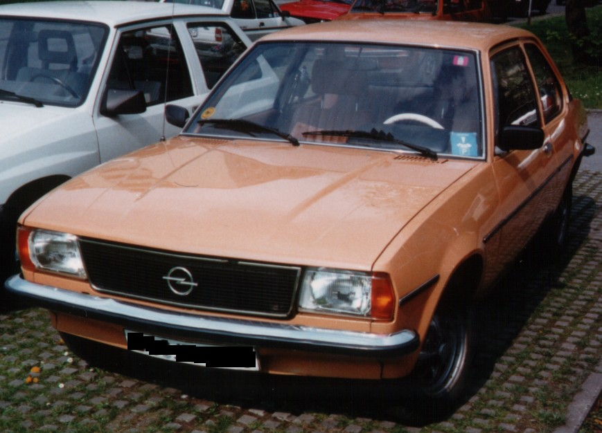 file opel ascona b 1 2 wikipedia. Black Bedroom Furniture Sets. Home Design Ideas