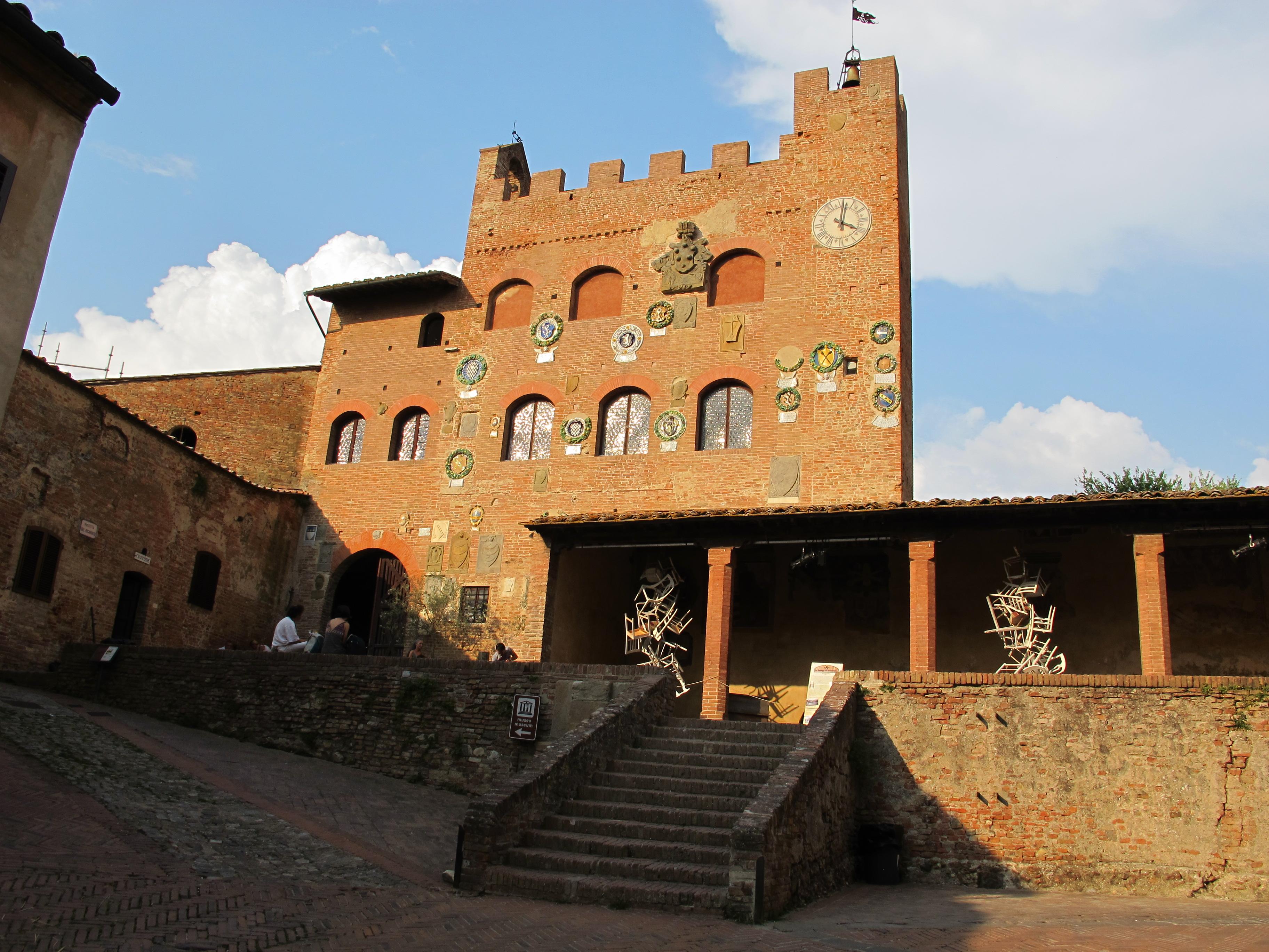 Certaldo Palazzo Pretorio sede del Vicariato