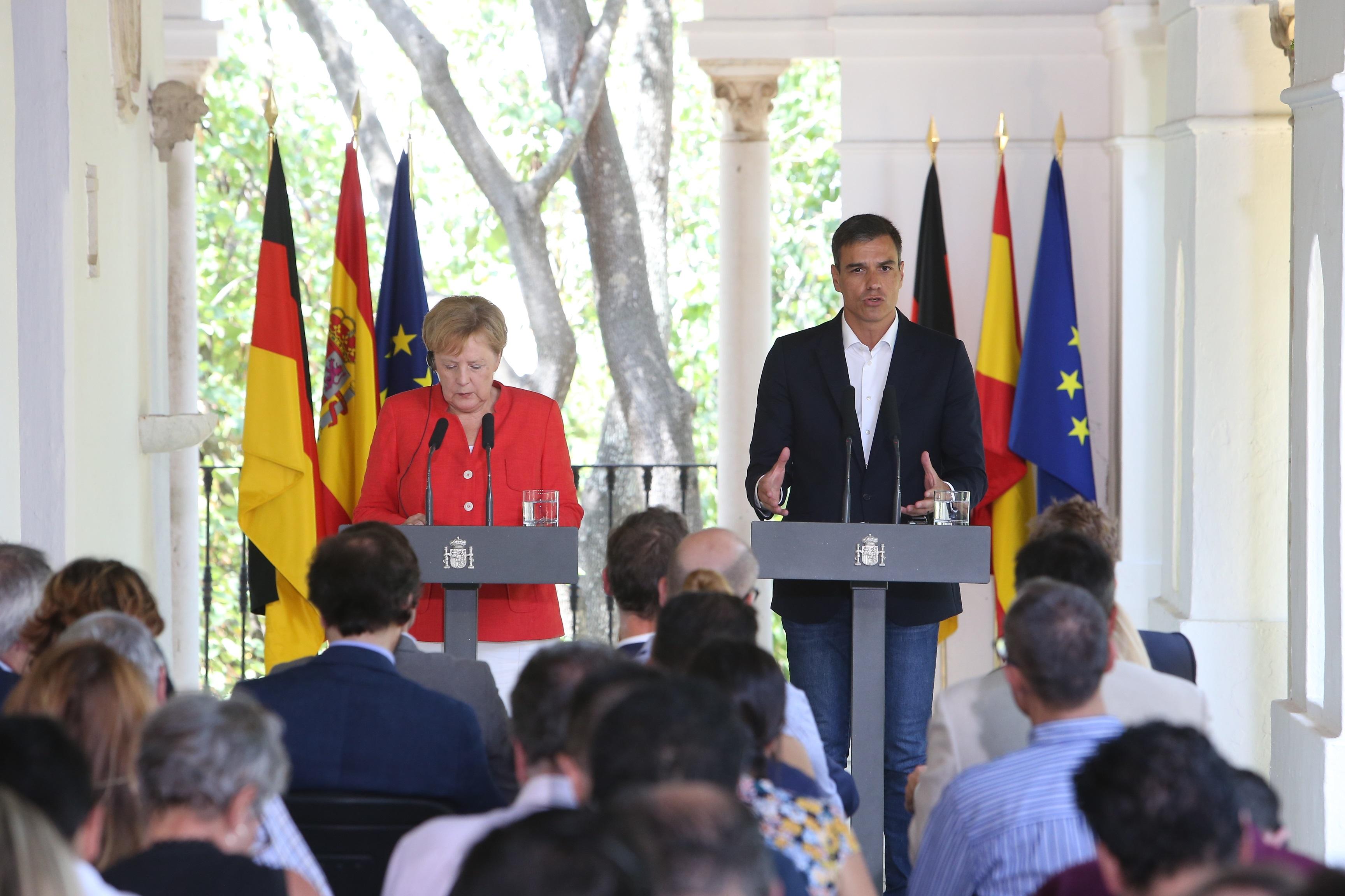 File:Pedro Sánchez y Angela Merkel 07.jpg - Wikimedia Commons