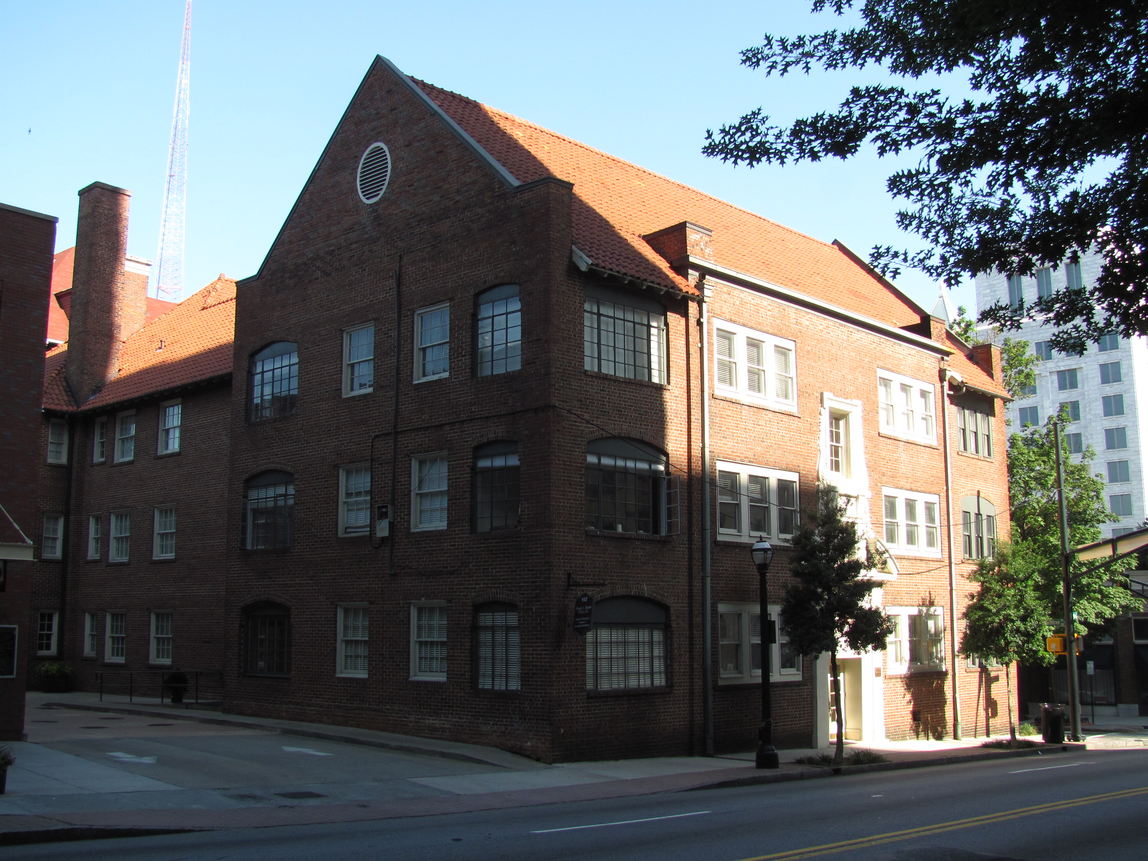 File:Phelan Court Apartments, Midtown Atlanta GA