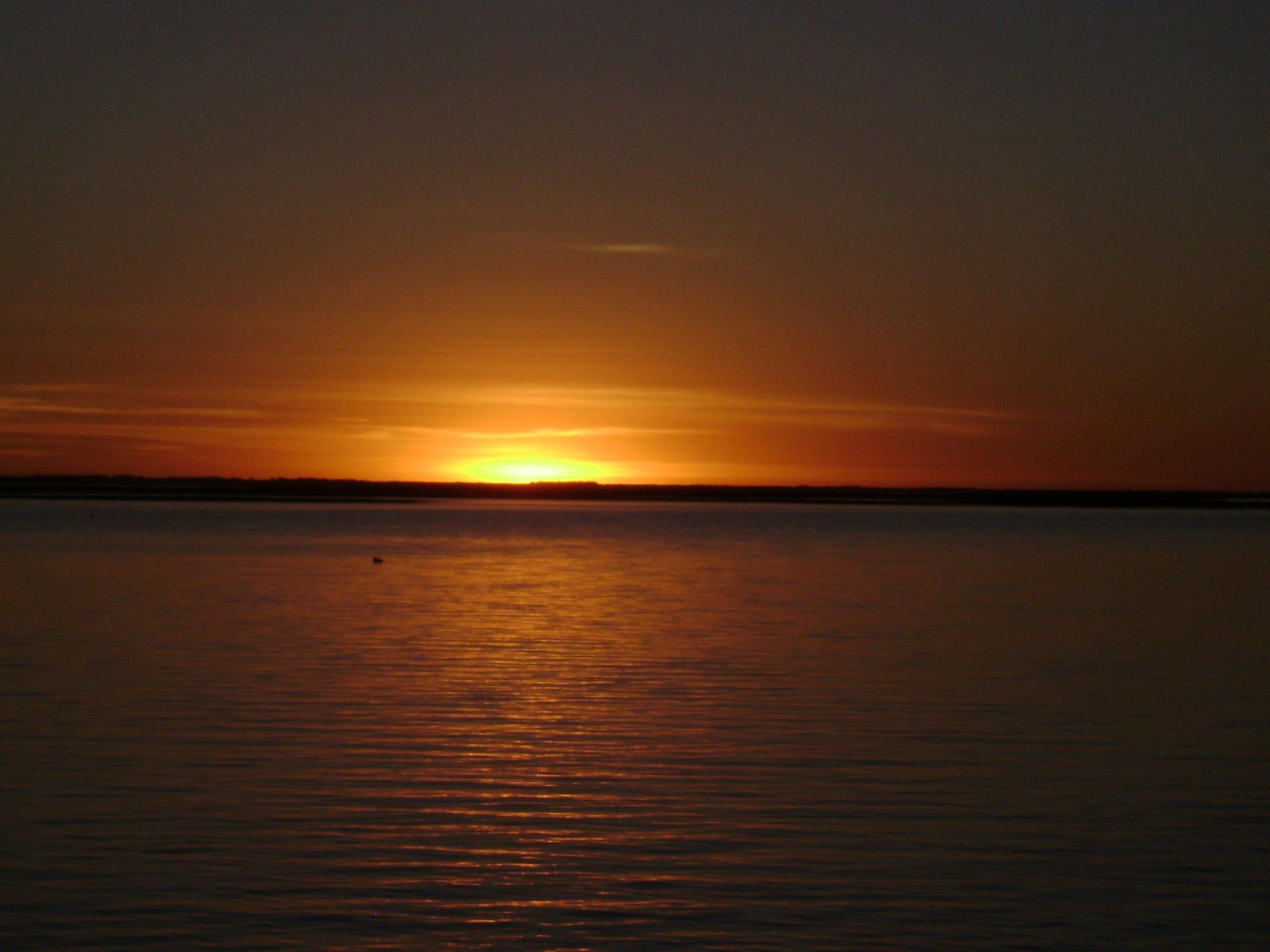 file puesta de sol en puerto cuatreros jpg wikimedia commons