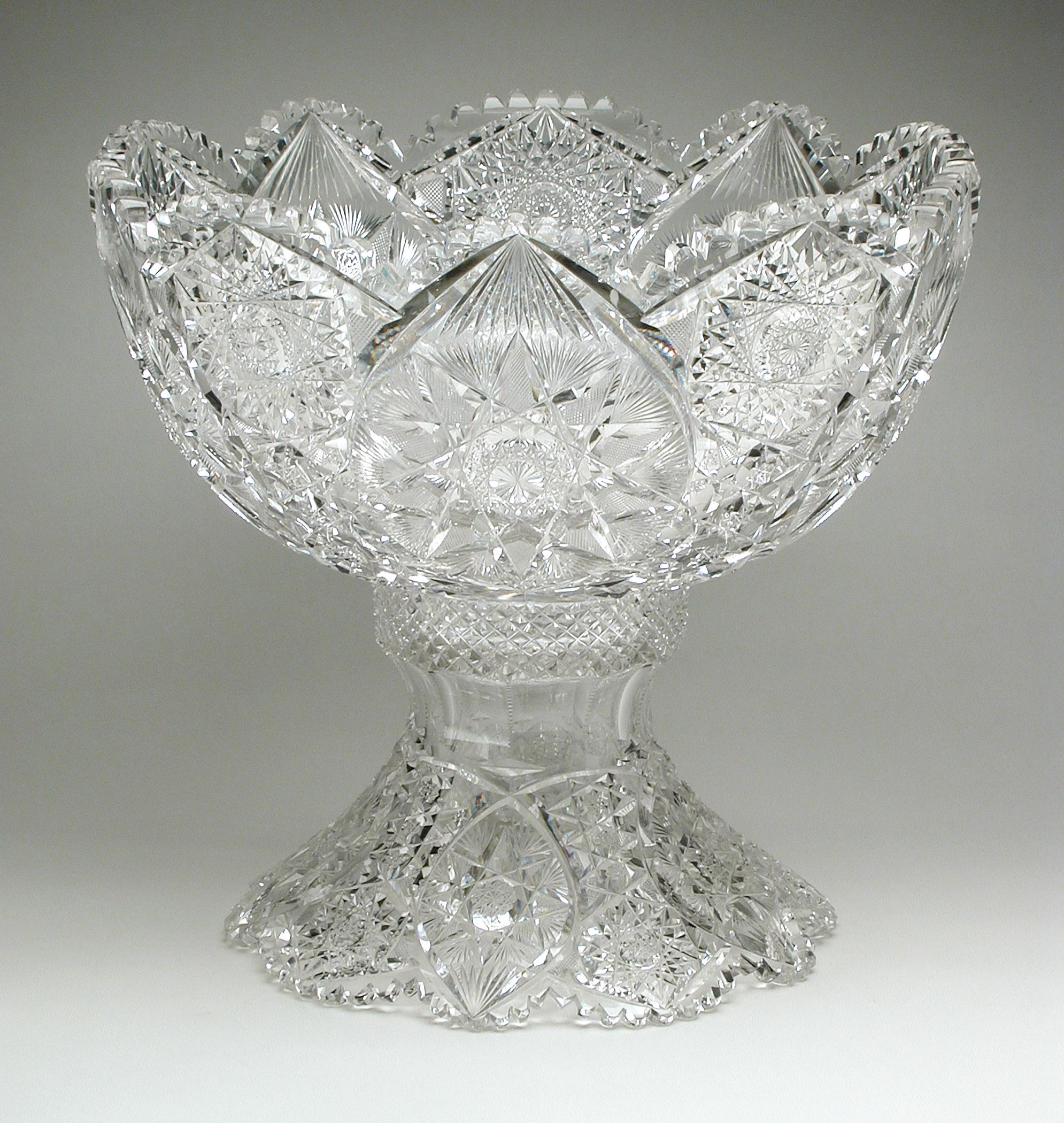 File:Punch Bowl on Stand LACMA M.91.320.6.jpg - Wikimedia ...