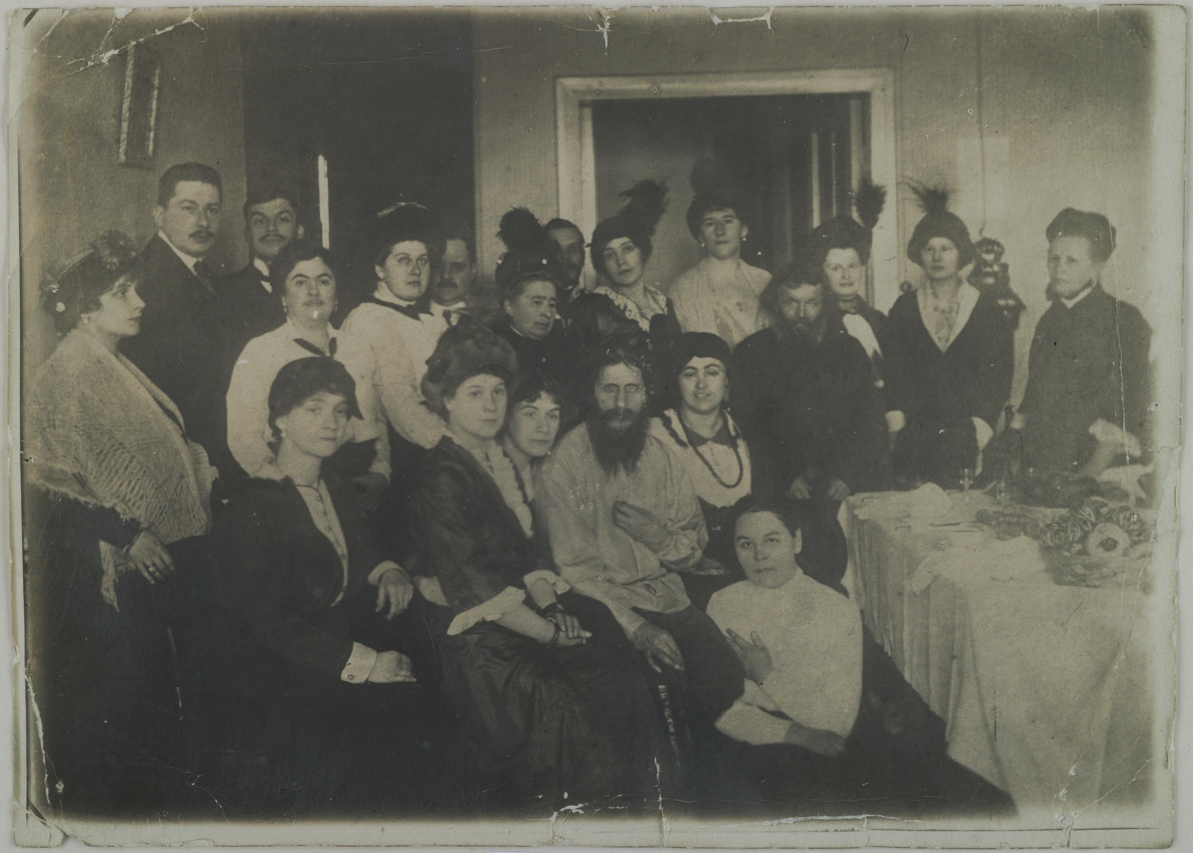 filerasputin surrounded admirers st petersburg jpg wikimedia