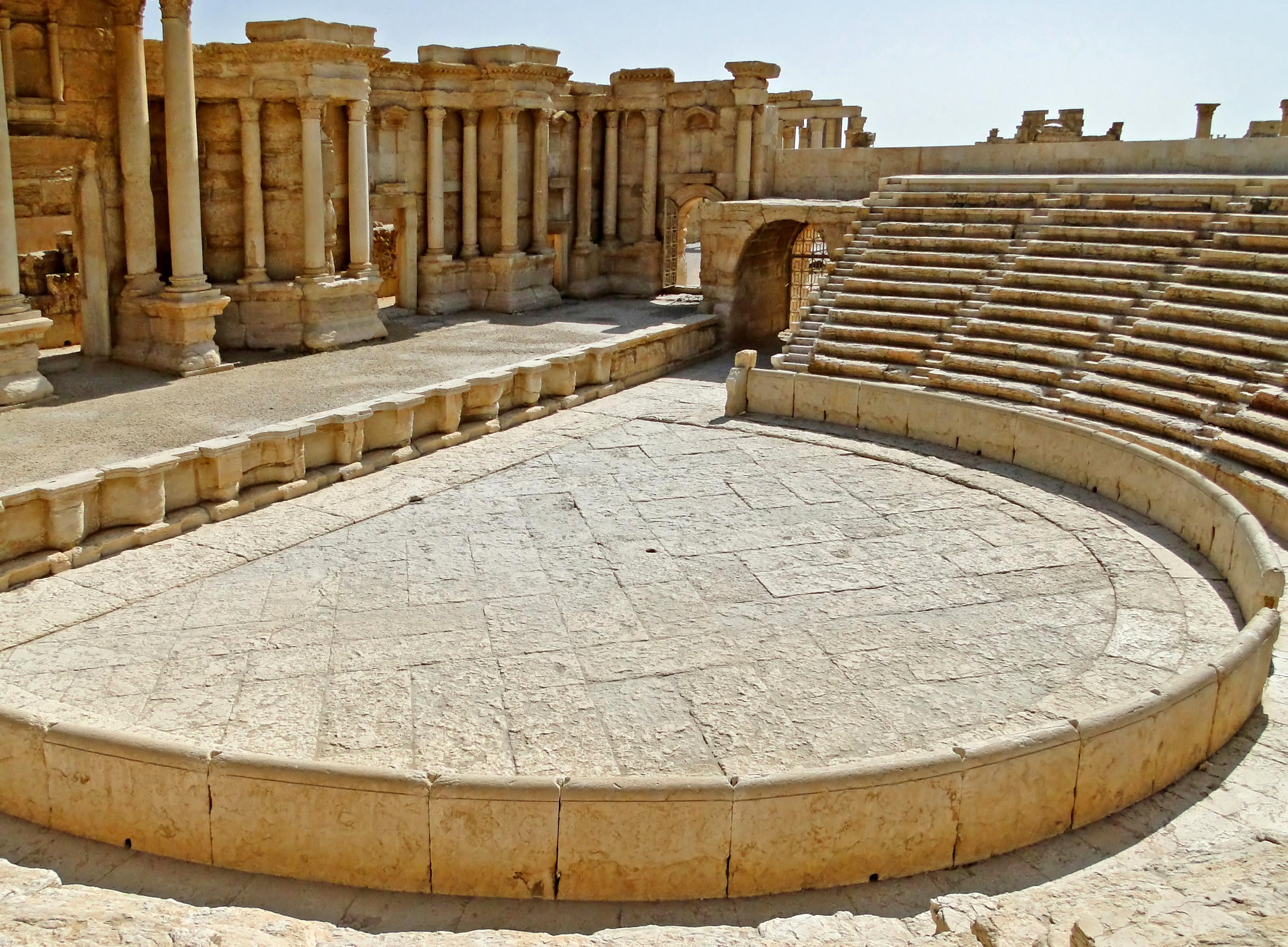 File roman theatre of palmyra 03 jpg wikimedia commons