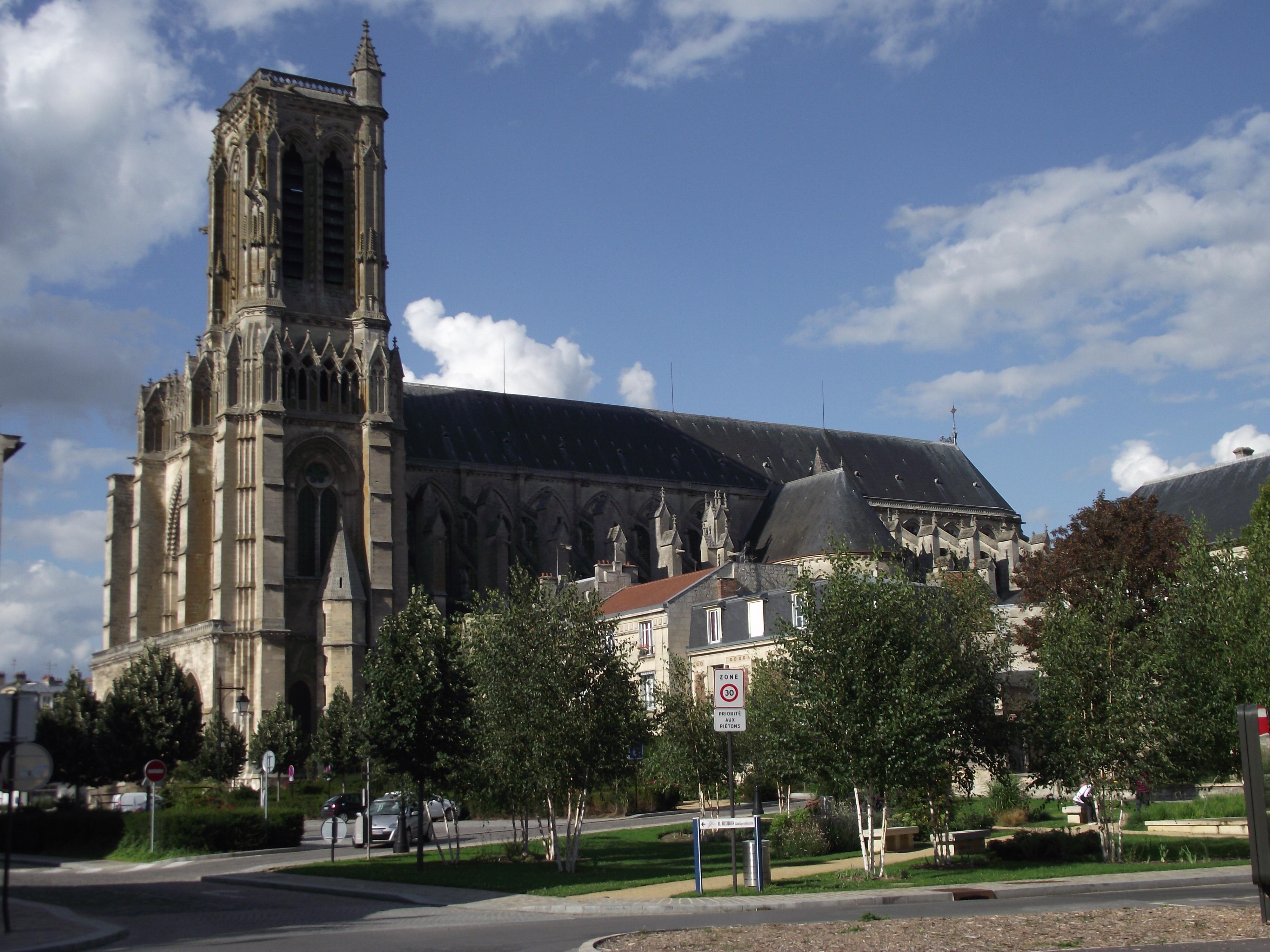 eglise catholique Soissons