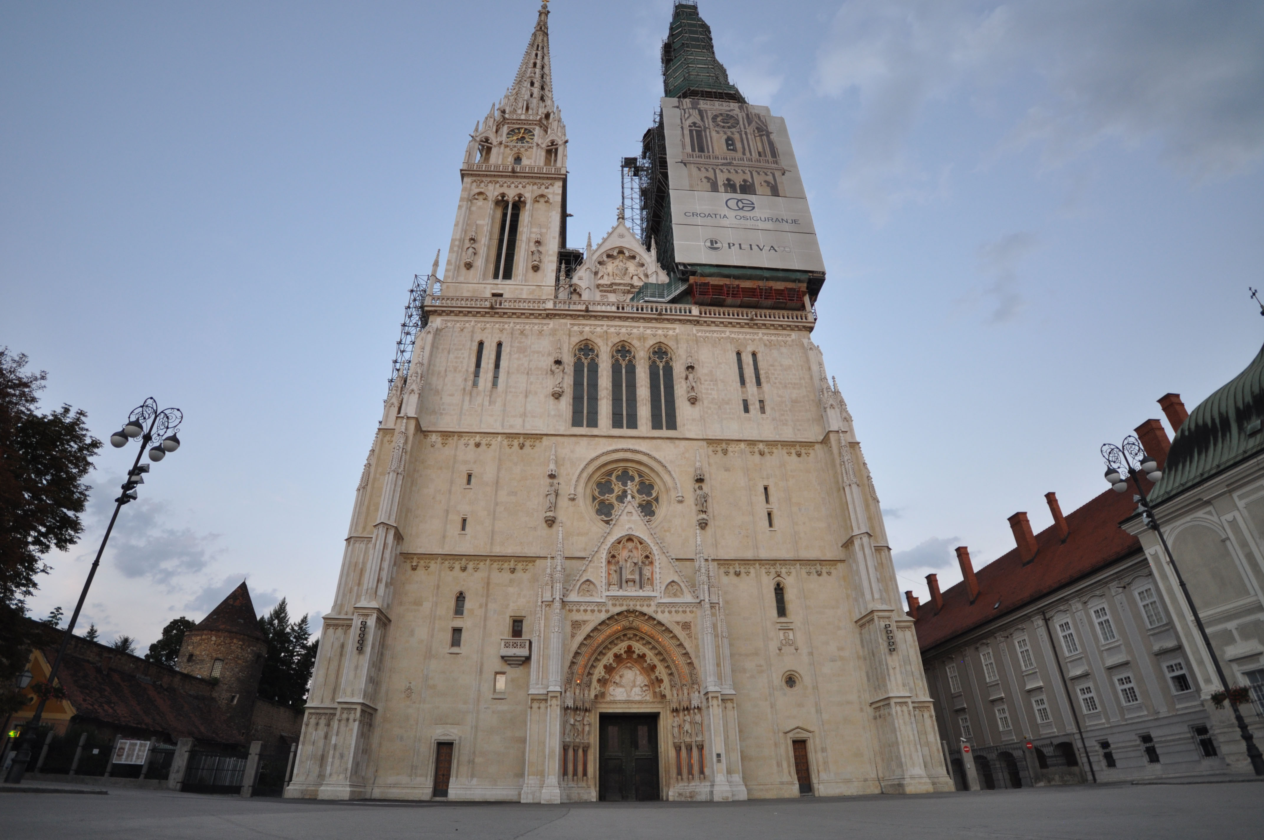 File The Zagreb Cathedral Being Restored The Spires Are 108m High 13024113744 Jpg Wikimedia Commons