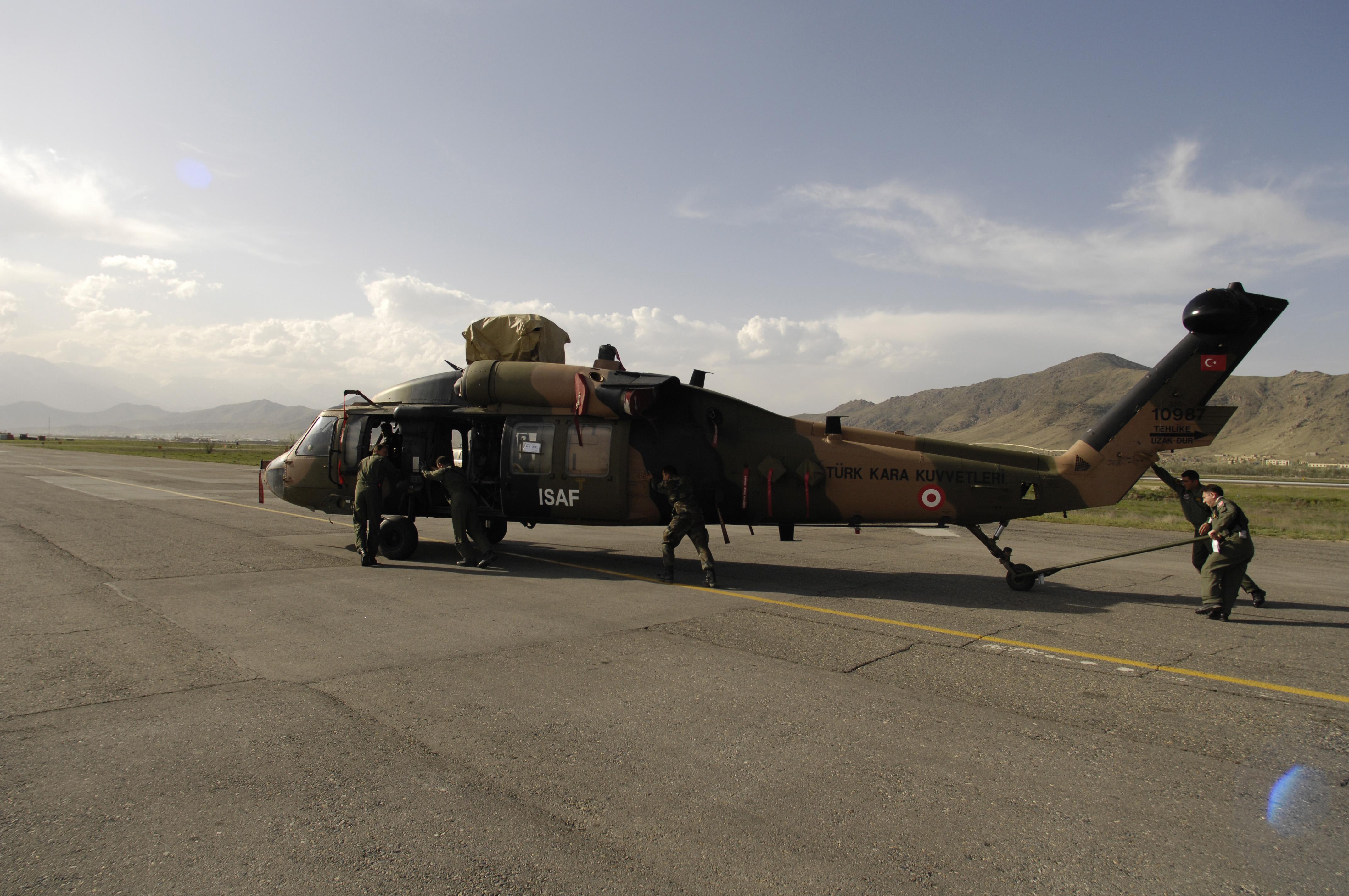 d294b32ca25 File:Turkish ISAF UH-60 Black Hawk helicopter.JPEG - Wikimedia Commons