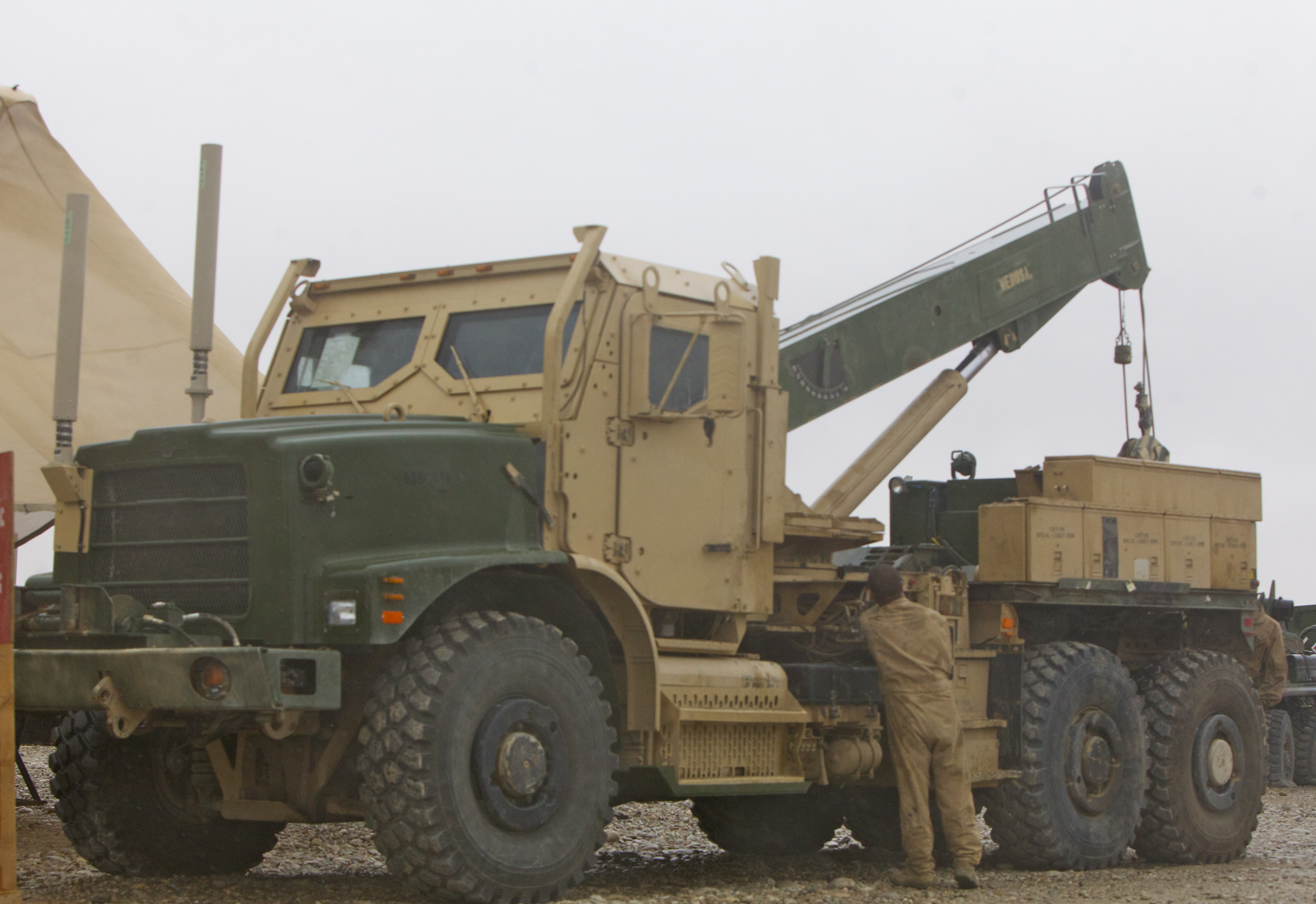 Medium Tactical Vehicle Replacement Wikipedia Rule Winch Wiring Diagrams Designation For The Wrecker Mtvr Variant Is Mk36 This Example Fitted With An Armored Cab
