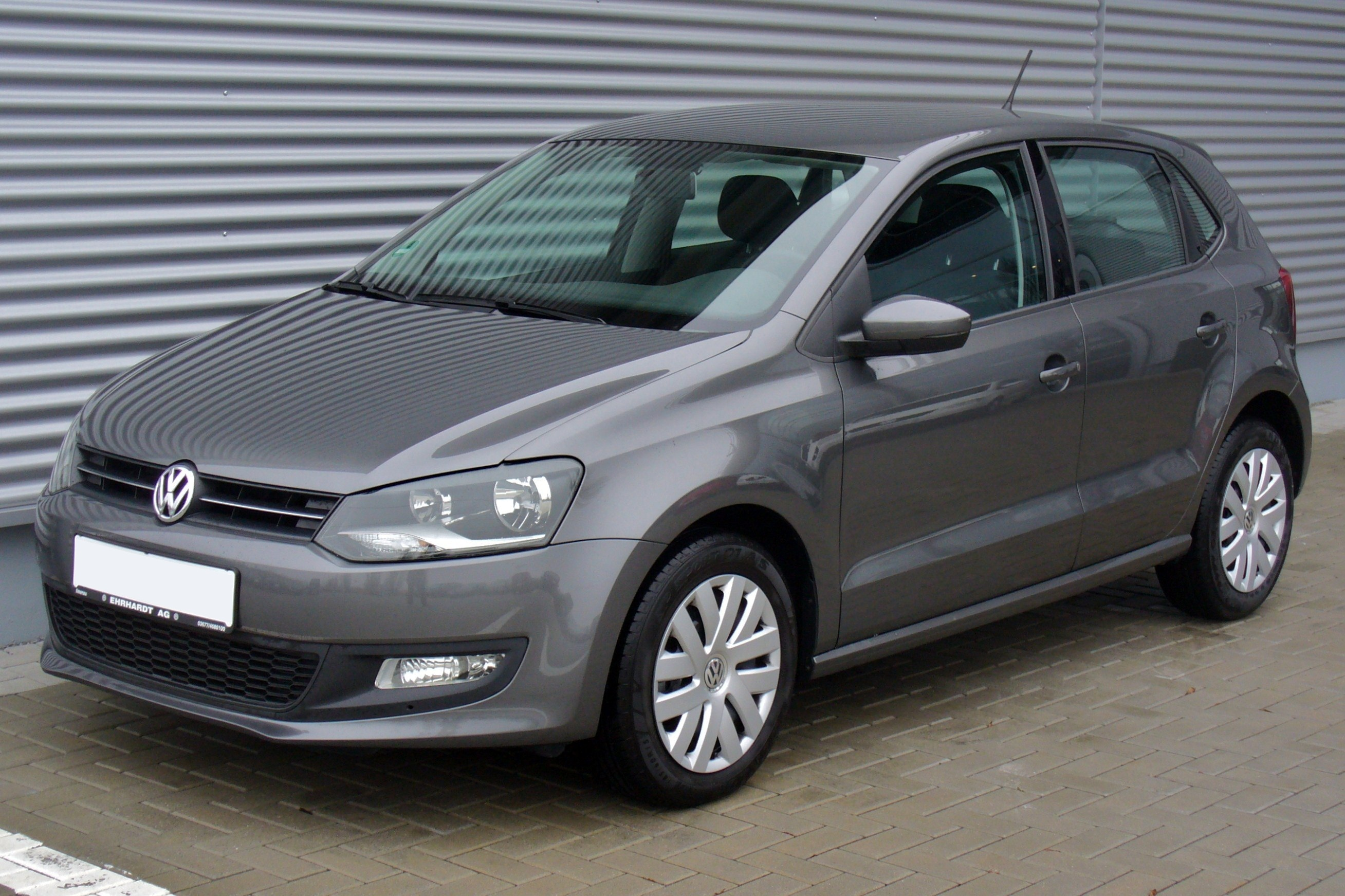 file vw polo v 1 2 comfortline pepper grey jpg wikimedia