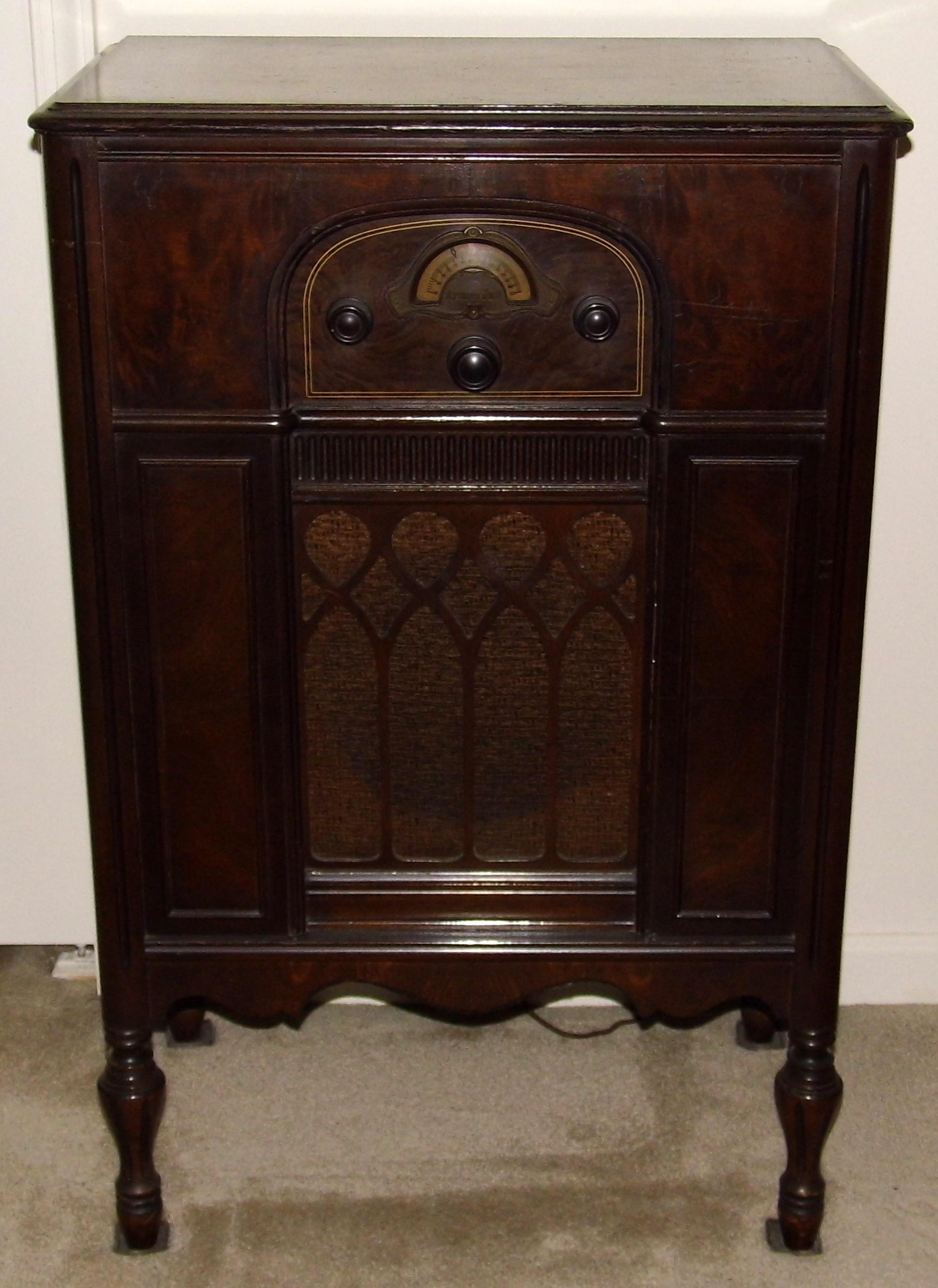 File Vintage Atwater Kent Lowboy Console Radio Model 85