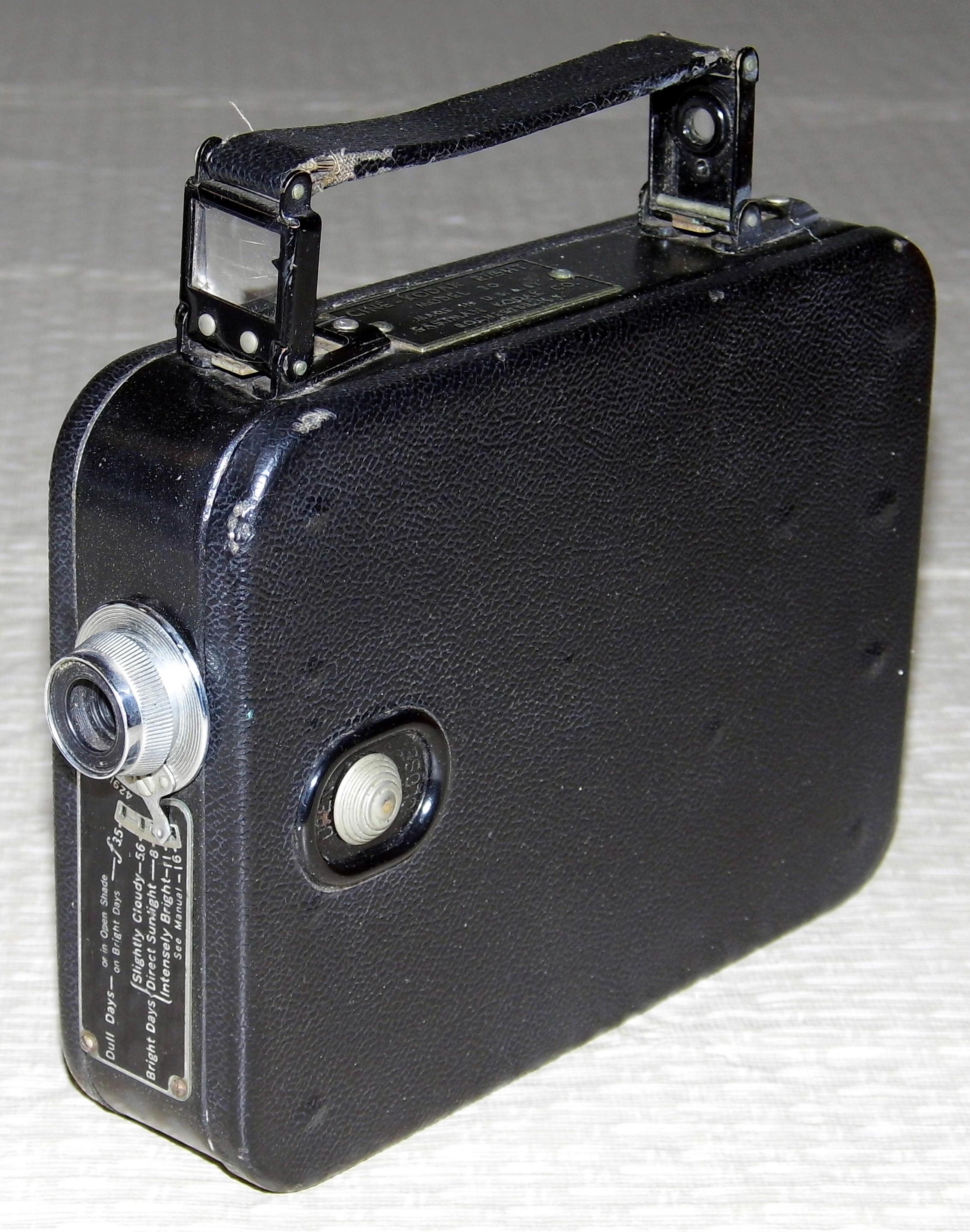 file vintage kodak cine kodak eight model 20 8mm movie camera rh commons wikimedia org 8A Film Model Cine-Kodak Cartgrage Cine-Kodak 16Mm