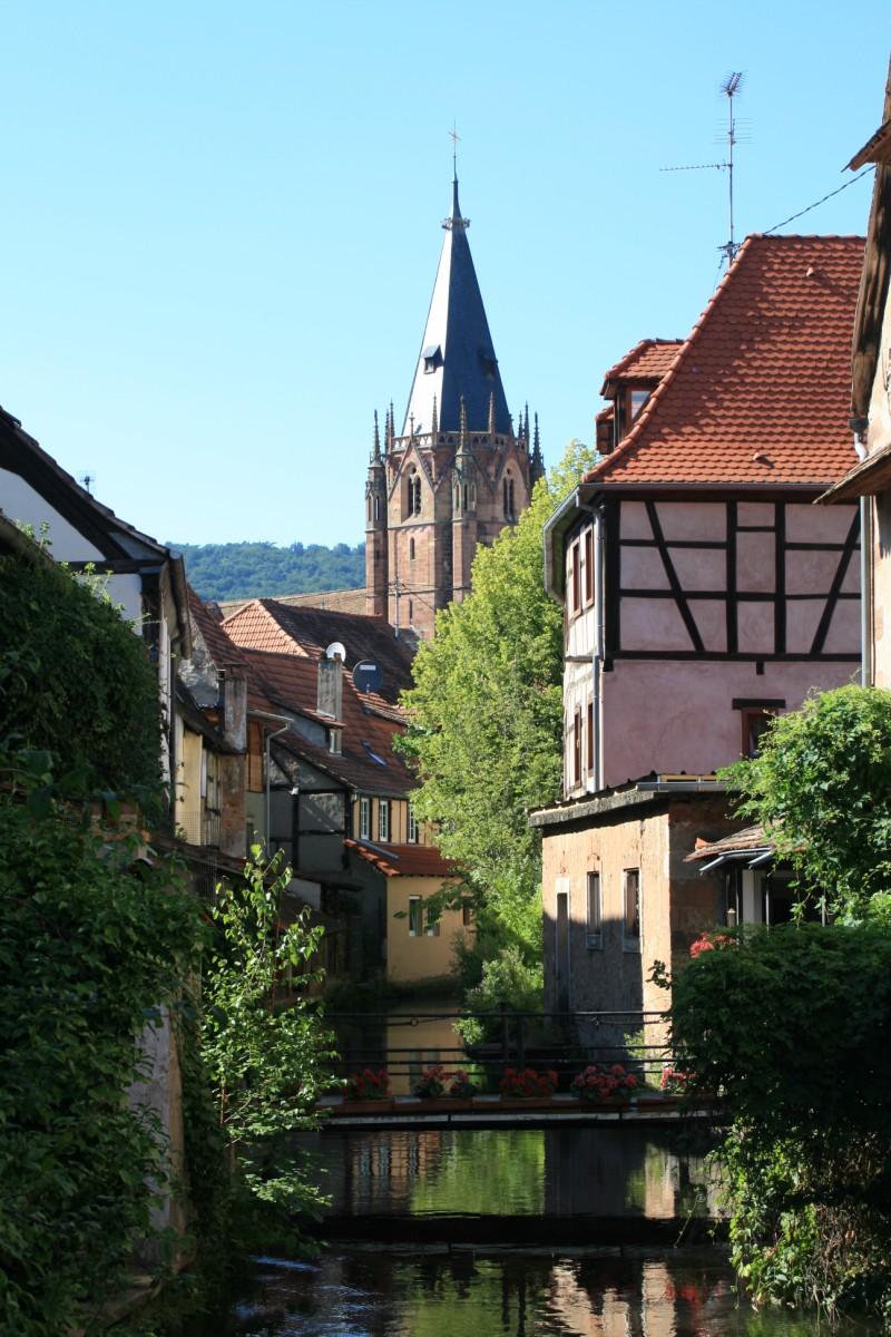 https://upload.wikimedia.org/wikipedia/commons/9/99/Wissembourg_3.JPG?uselang=fr