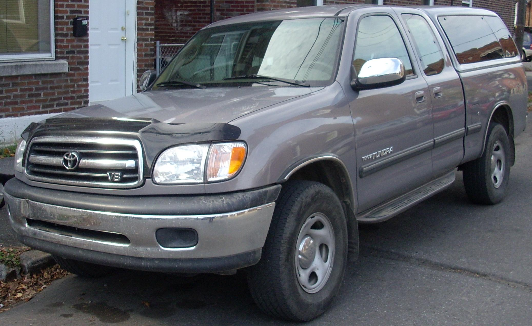 File:'00-'02 Toyota Tundra Extended Cab.jpg - Wikimedia Commons