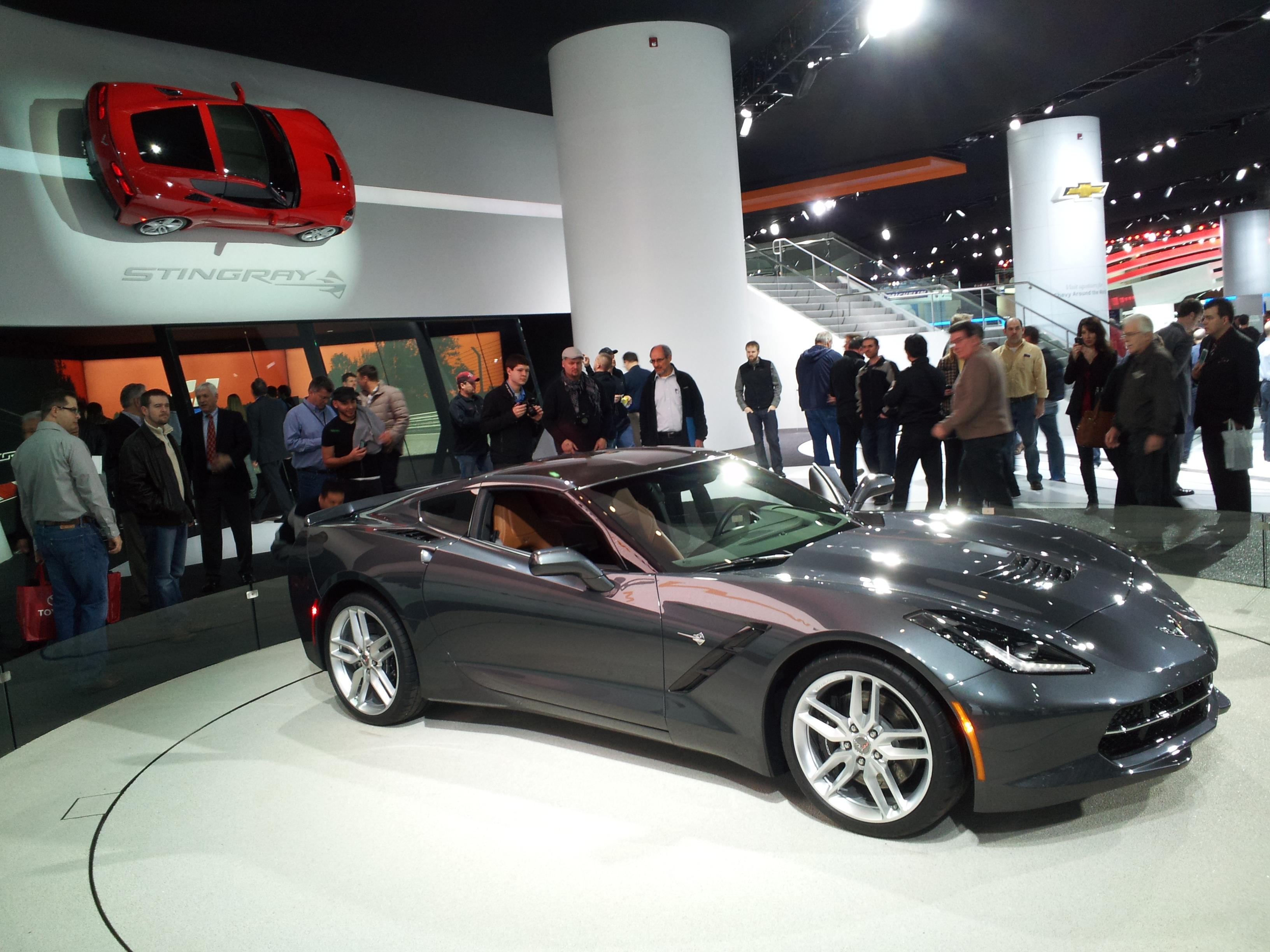 Description 2014 corvette at detroit auto show
