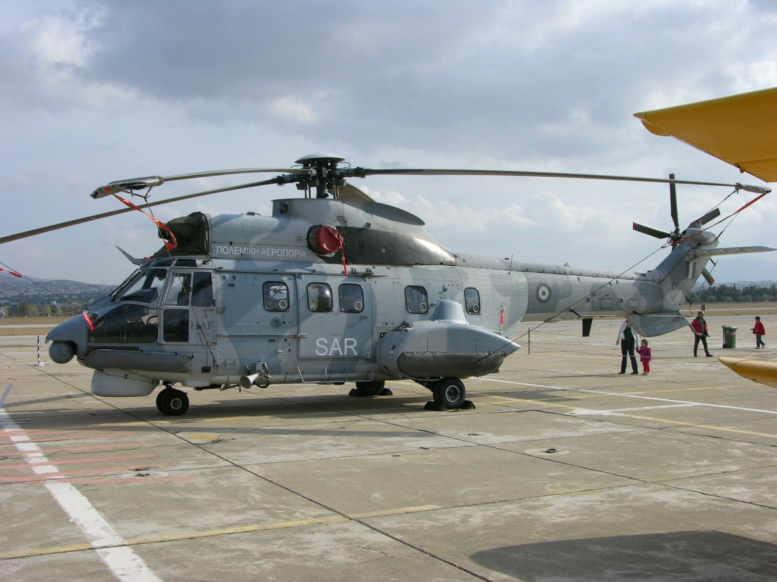 File:2574 Aerospatiale AS.3332C-1 Puma 358 MED, Tatoi-Dekelia