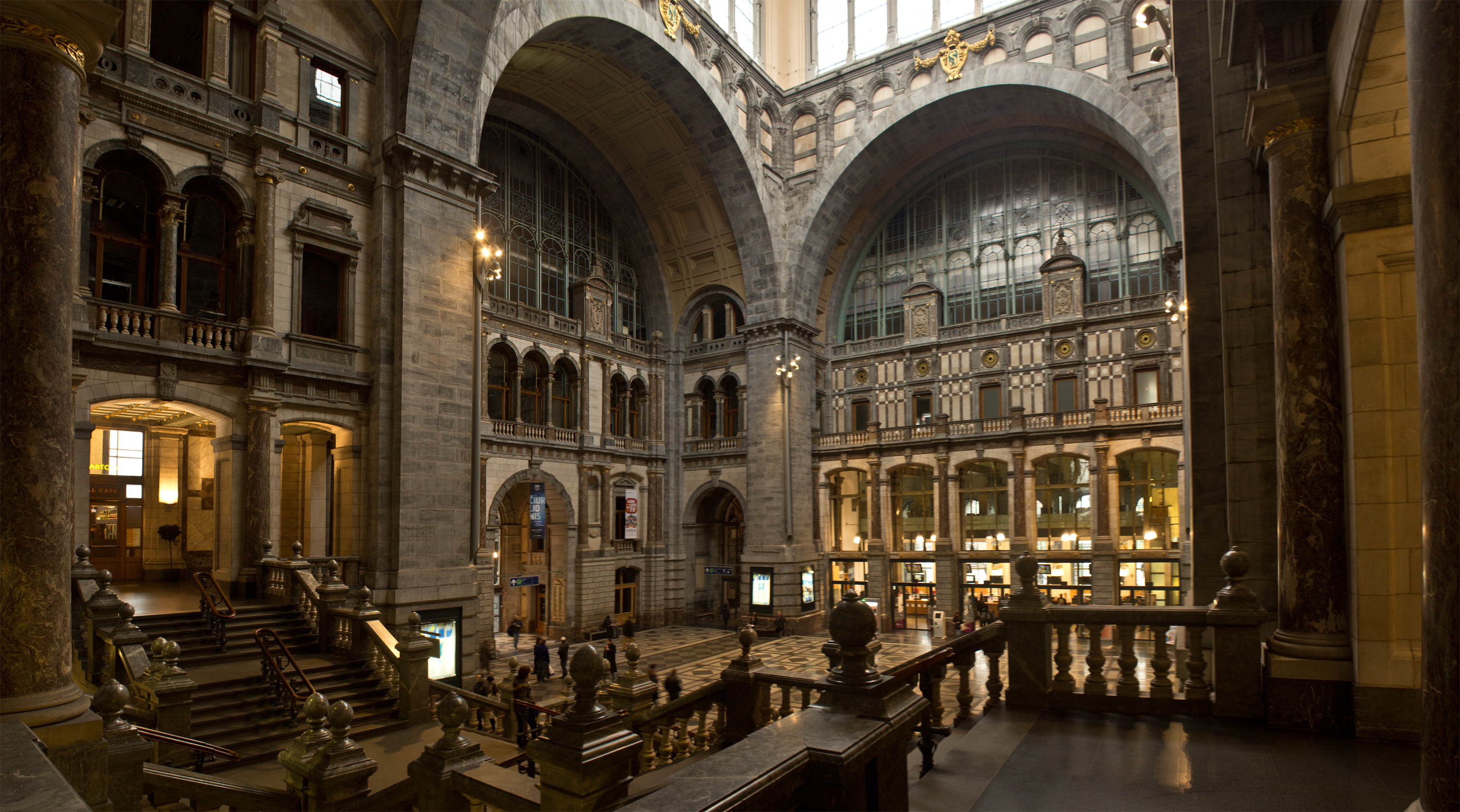 File:7051 interieur centraal station antwerpen 2.jpg - Wikimedia Commons