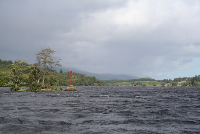 A nor'easterly view along Loch Oich - geograph.org.uk - 1455906