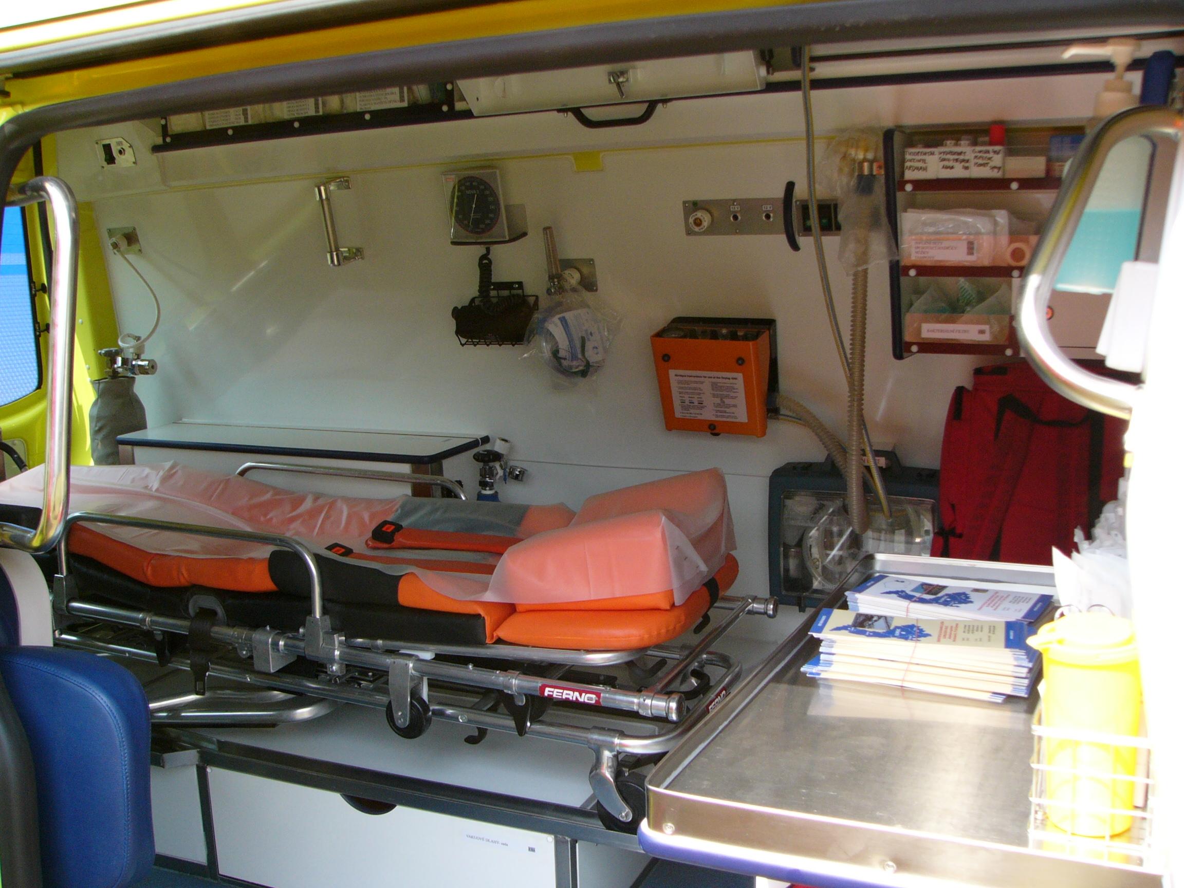 File Ambulance Volkswagen T5 Interior Jpg Wikimedia Commons