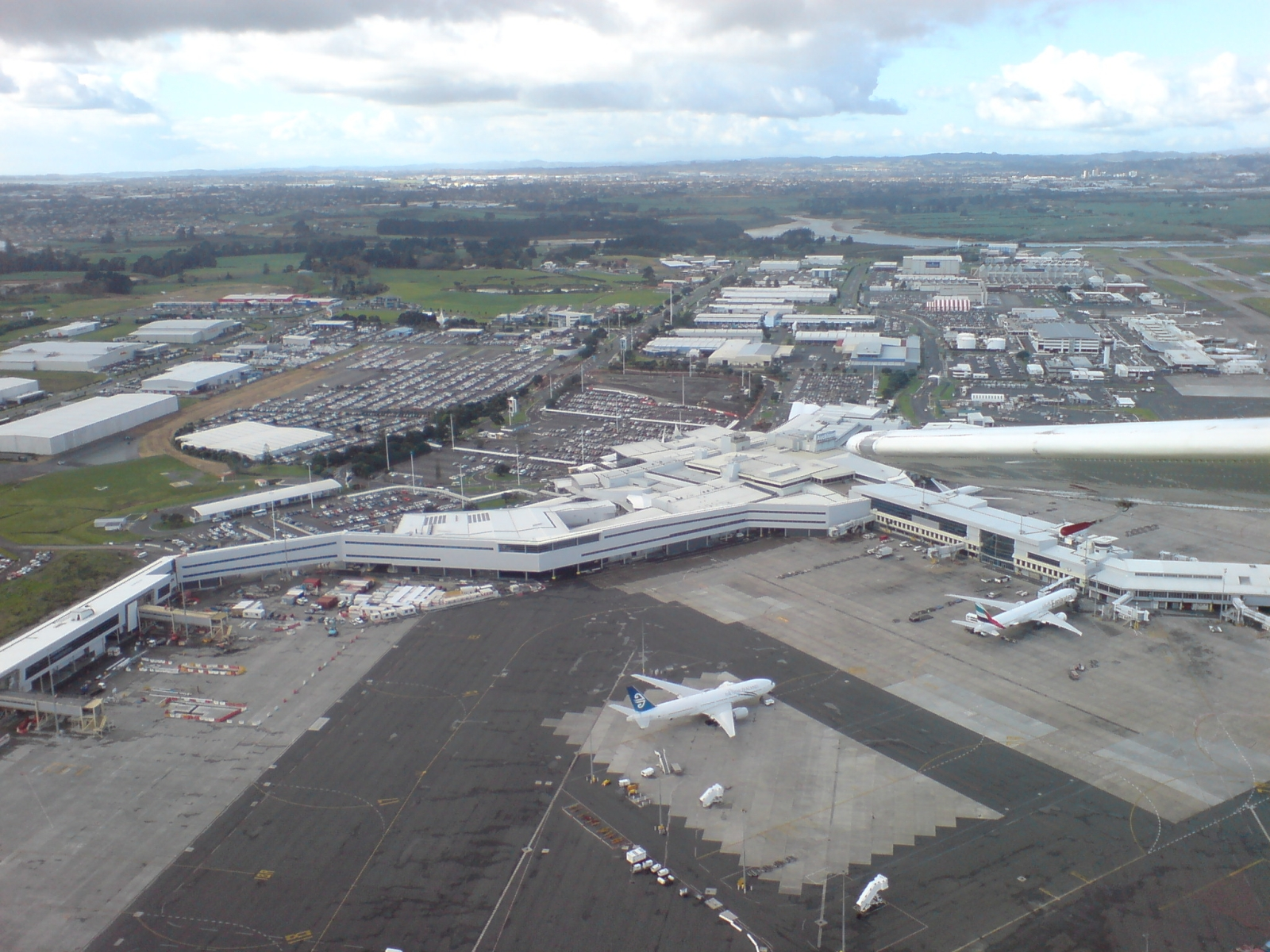 Auckland_Airport_Seen_From_Light_Plane_0