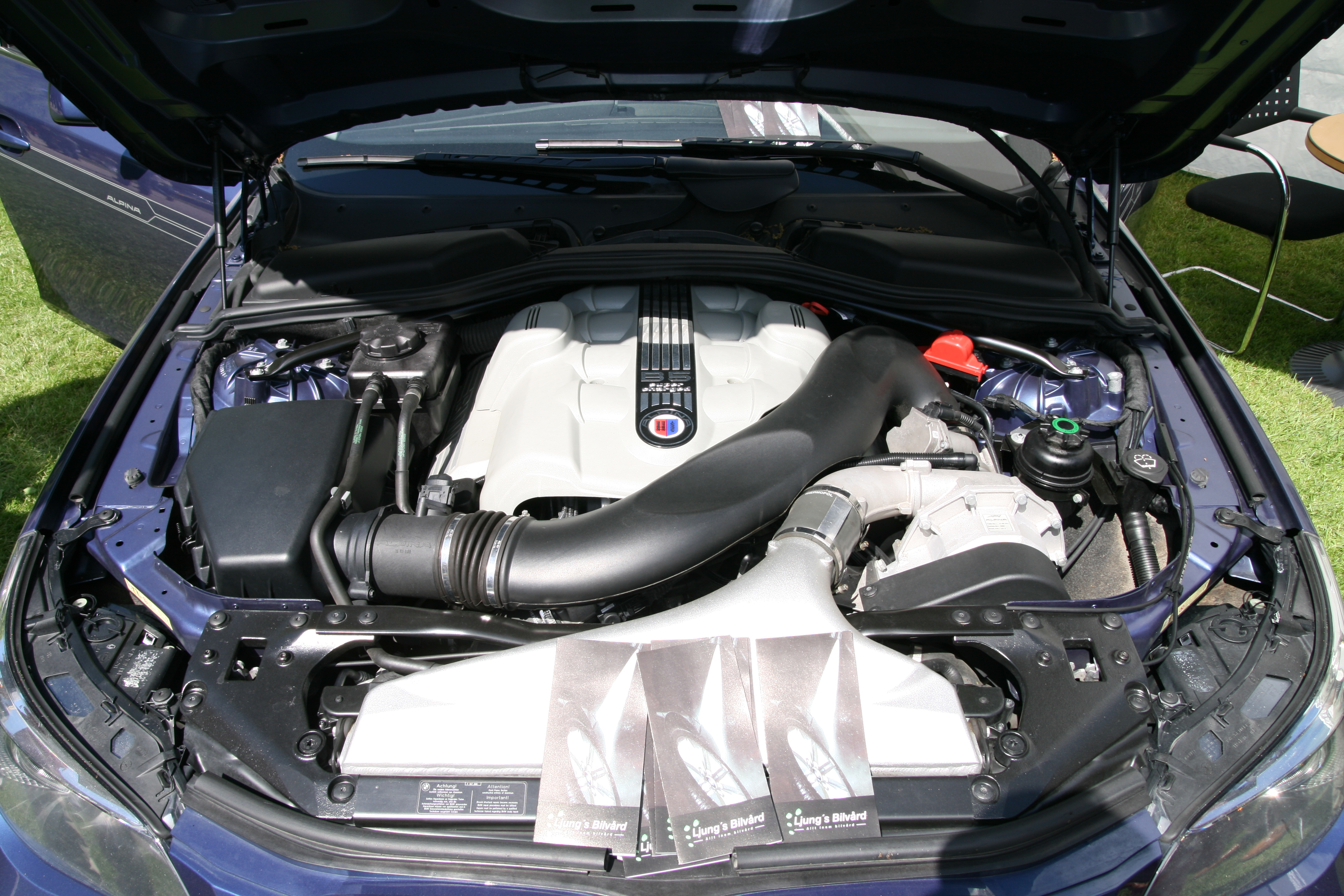 File Bmw Alpina B5 E60 2005 Engine Bay Jpg Wikipedia