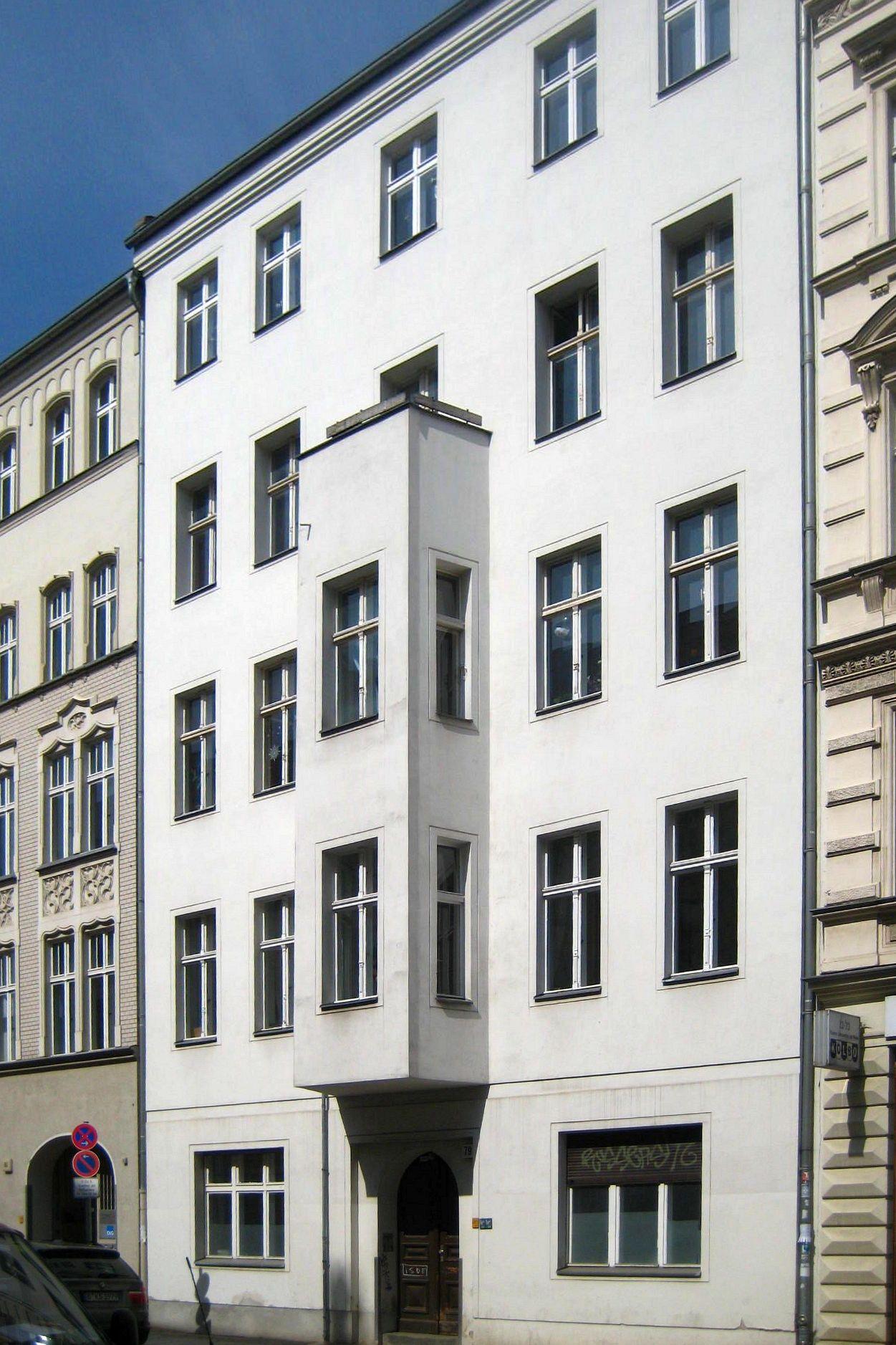 datei berlin mitte auguststrasse 79 wikipedia. Black Bedroom Furniture Sets. Home Design Ideas