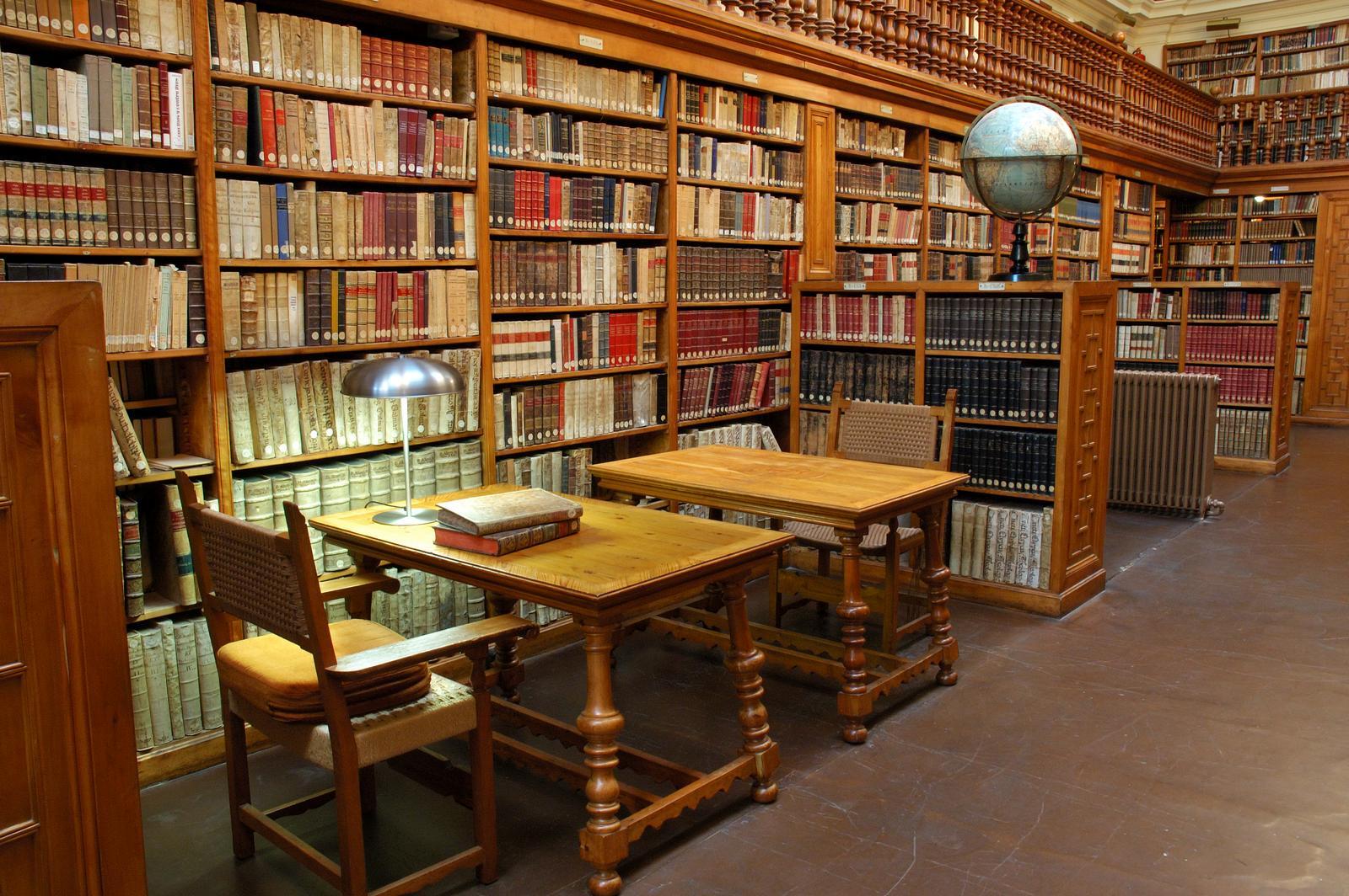 Archivo:Biblioteca-montserrat.jpg