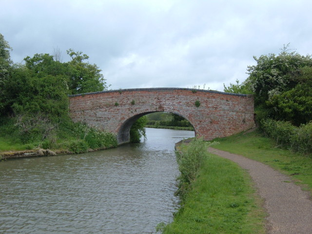 Bridge 109, Grand Union Canal - geograph.org.uk - 1308378