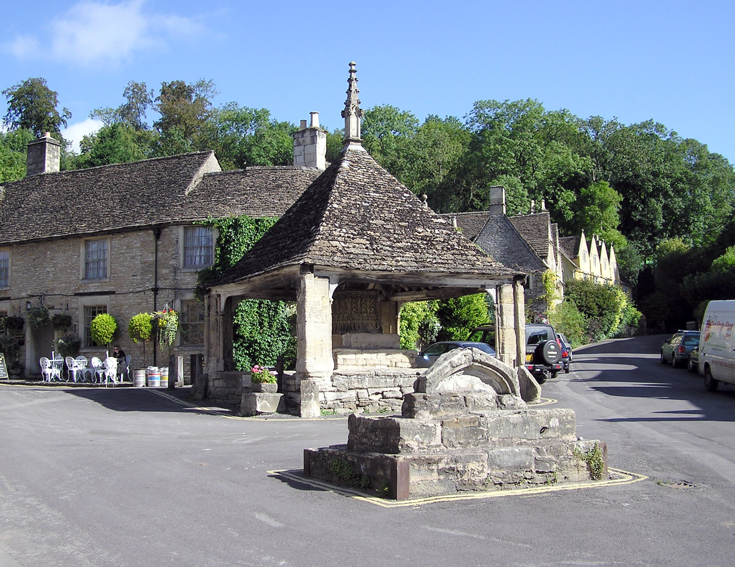 File:Castle.combe.cross.arp.jpg - Wikipedia, the free encyclopedia