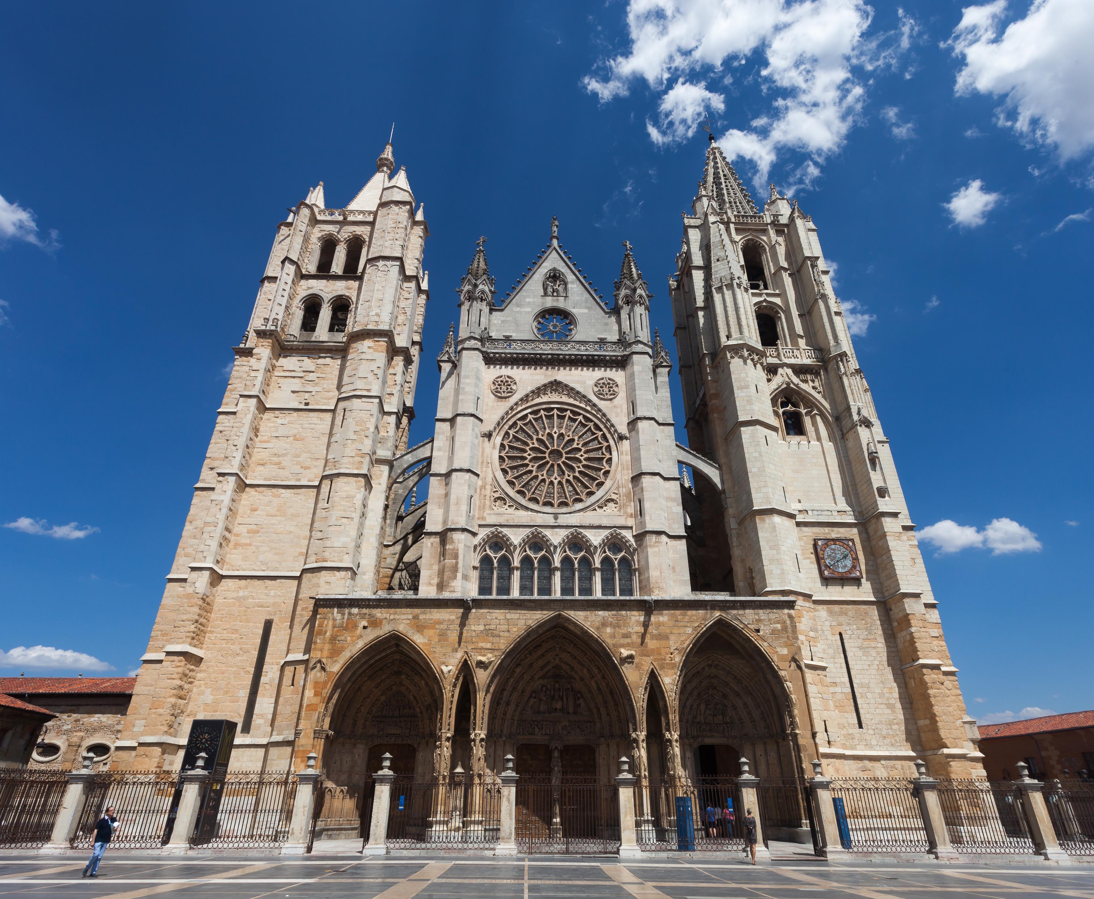 Archivo:Catedral de León. España-45.jpg - Wikipedia, la ...