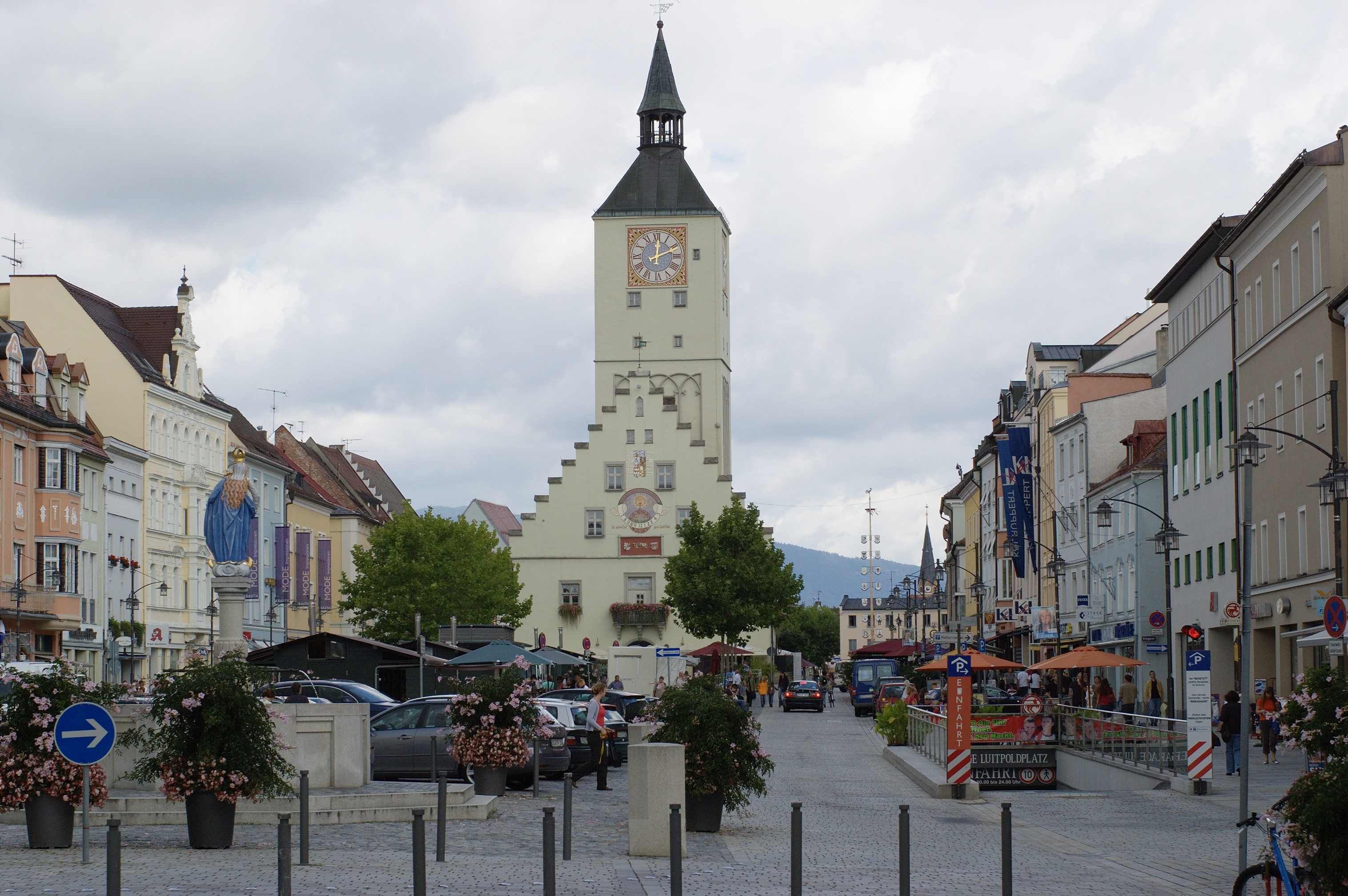 File:City center of Deggendorf, Bavaria.jpg - Wikimedia