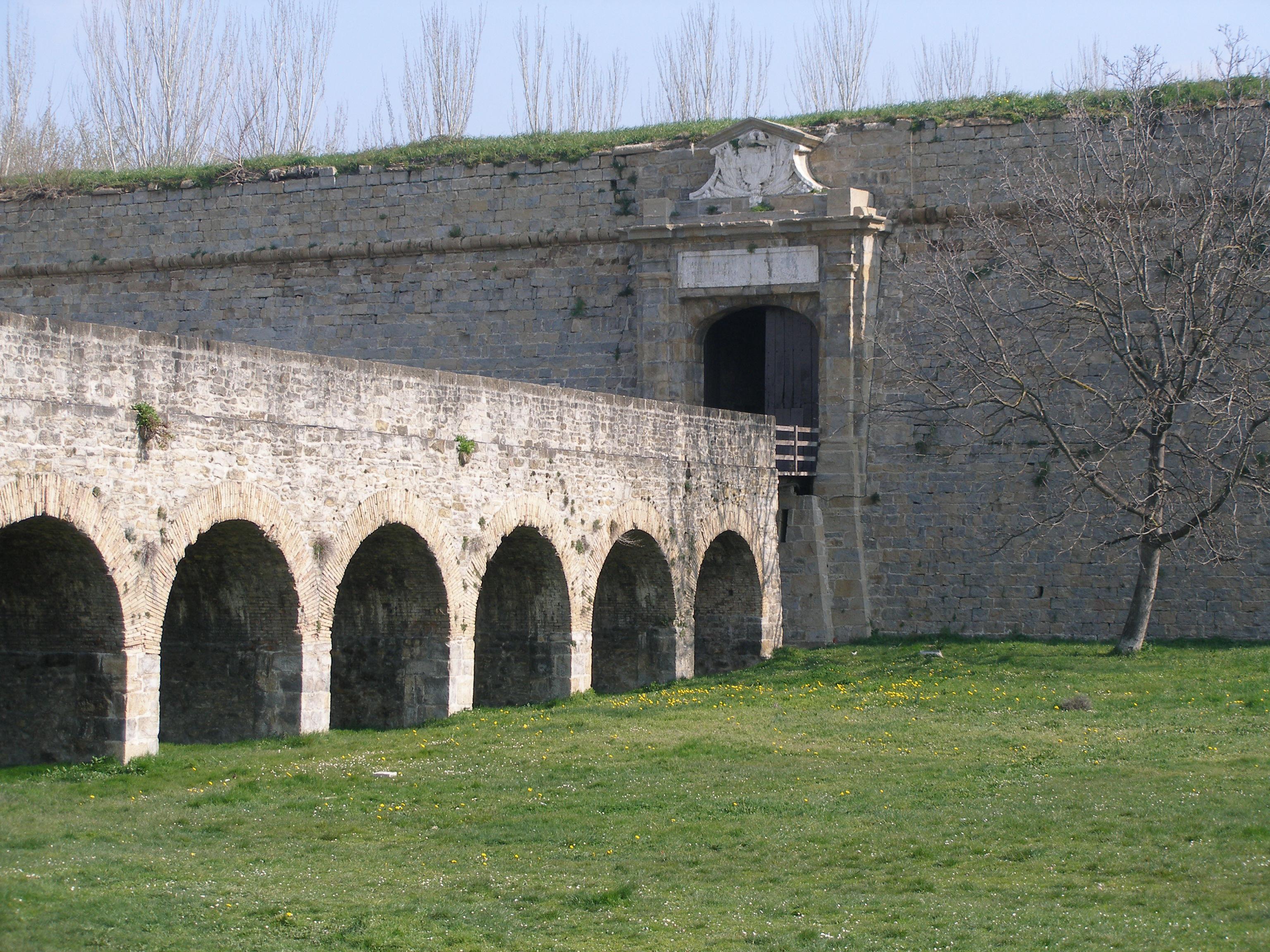 File:Ciudadela de Pamplona.JPG - Wikimedia Commons