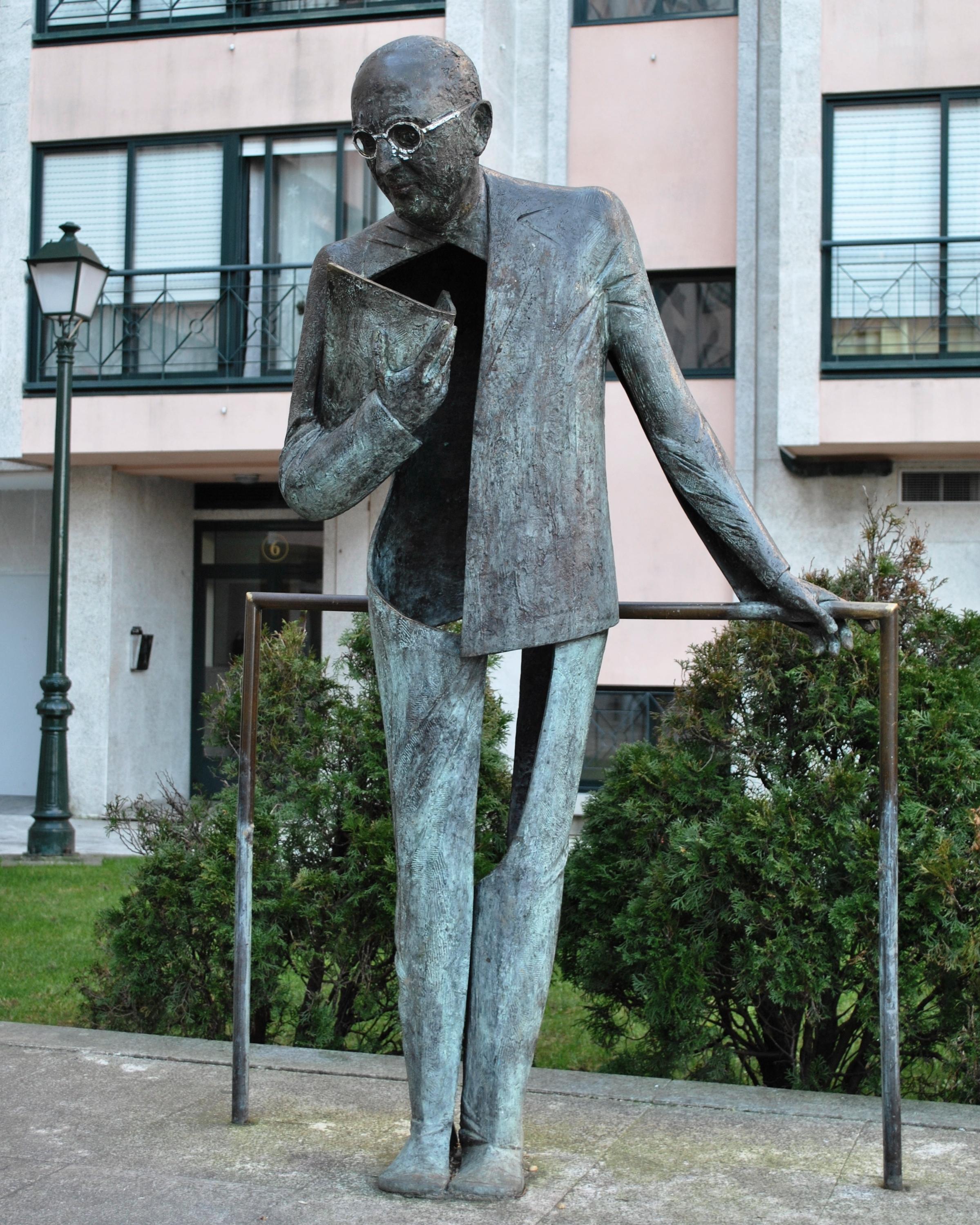 Estatua en Bouzas (Vigo).