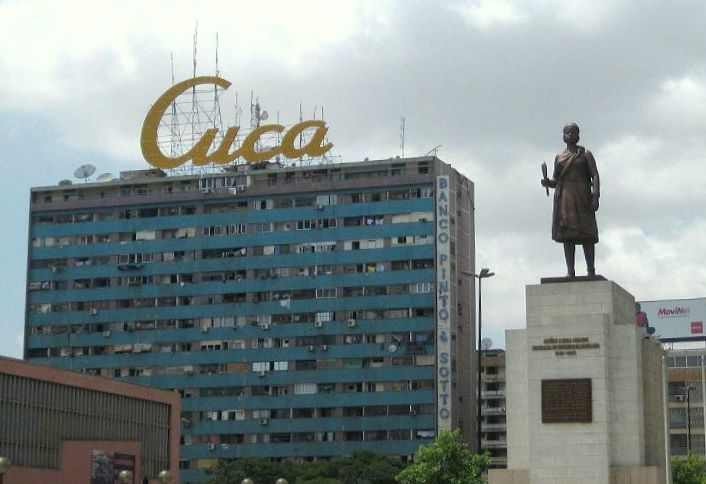 Plik:Cucaedificio.jpg