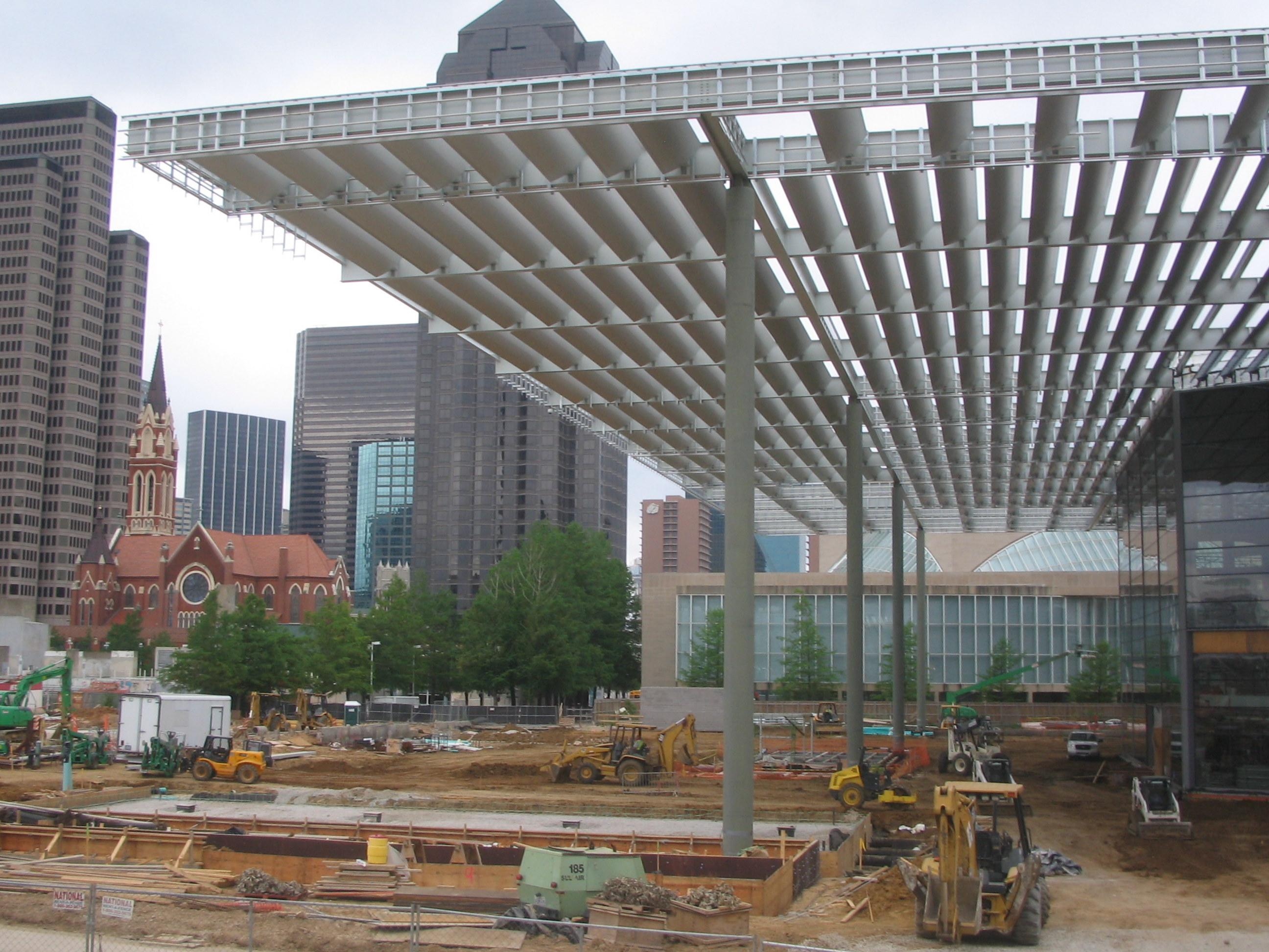 File dallas winspear opera house construction canopy jpg wikimedia commons