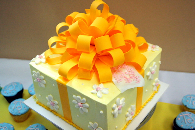 Birthday Cake Bow