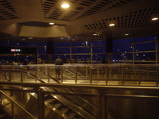File:Downsview TTC Station at night.jpg - Wikimedia Commons