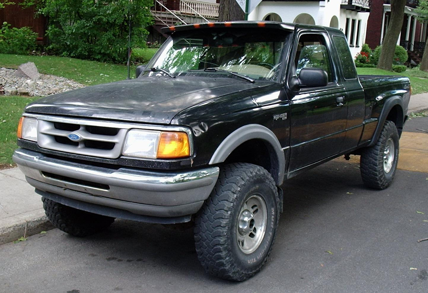 File:Ford Ranger XL Ext. Cab With Mazda B-Series Trunklid --