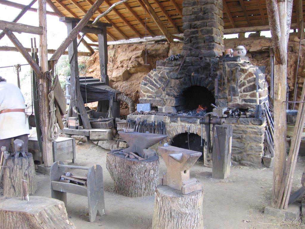 Plan Foyer De Forge : Medieval castles and google on pinterest