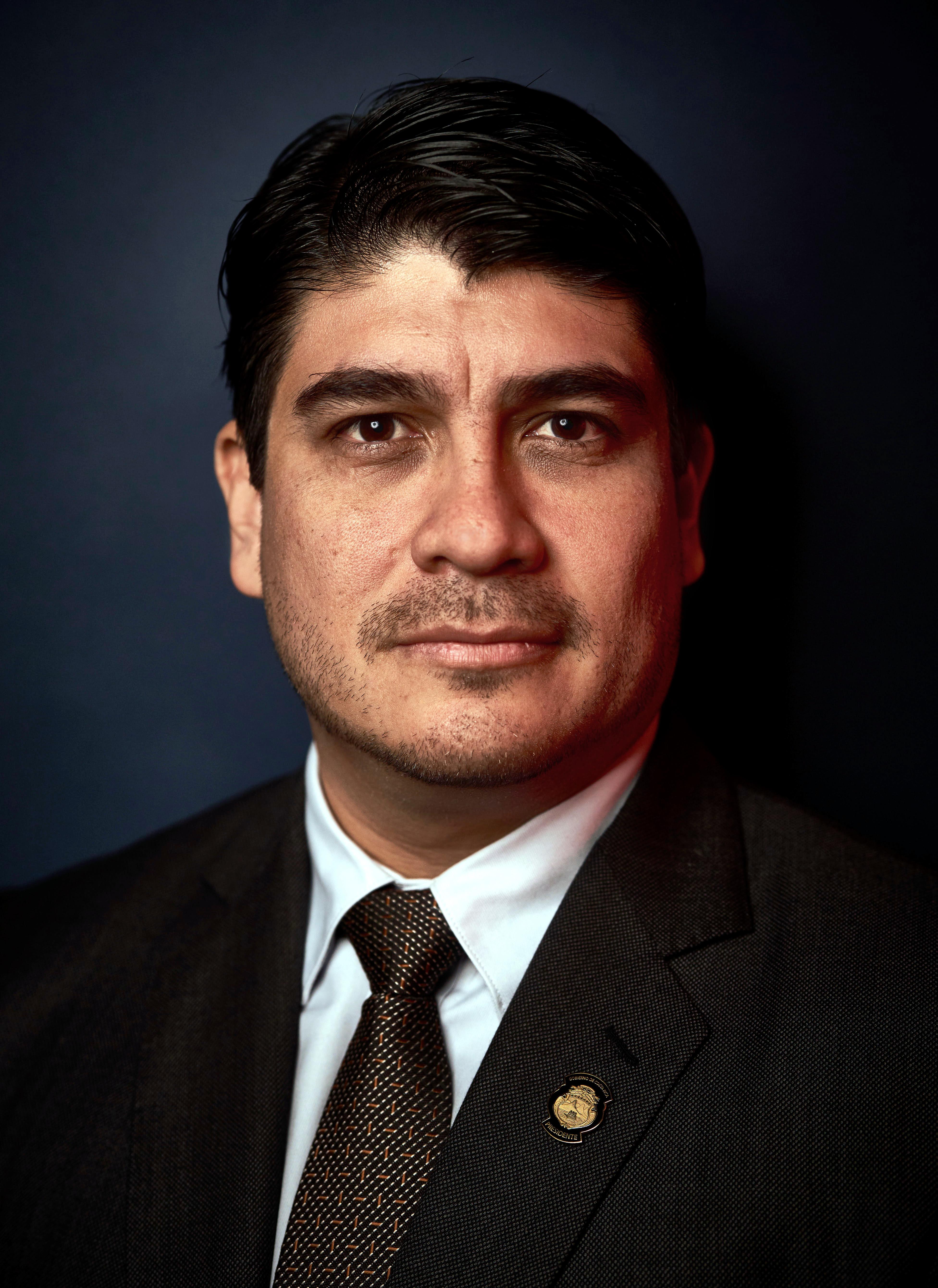 Amparo Muñoz Quesada Fotos carlos alvarado quesada - wikipedia, la enciclopedia libre