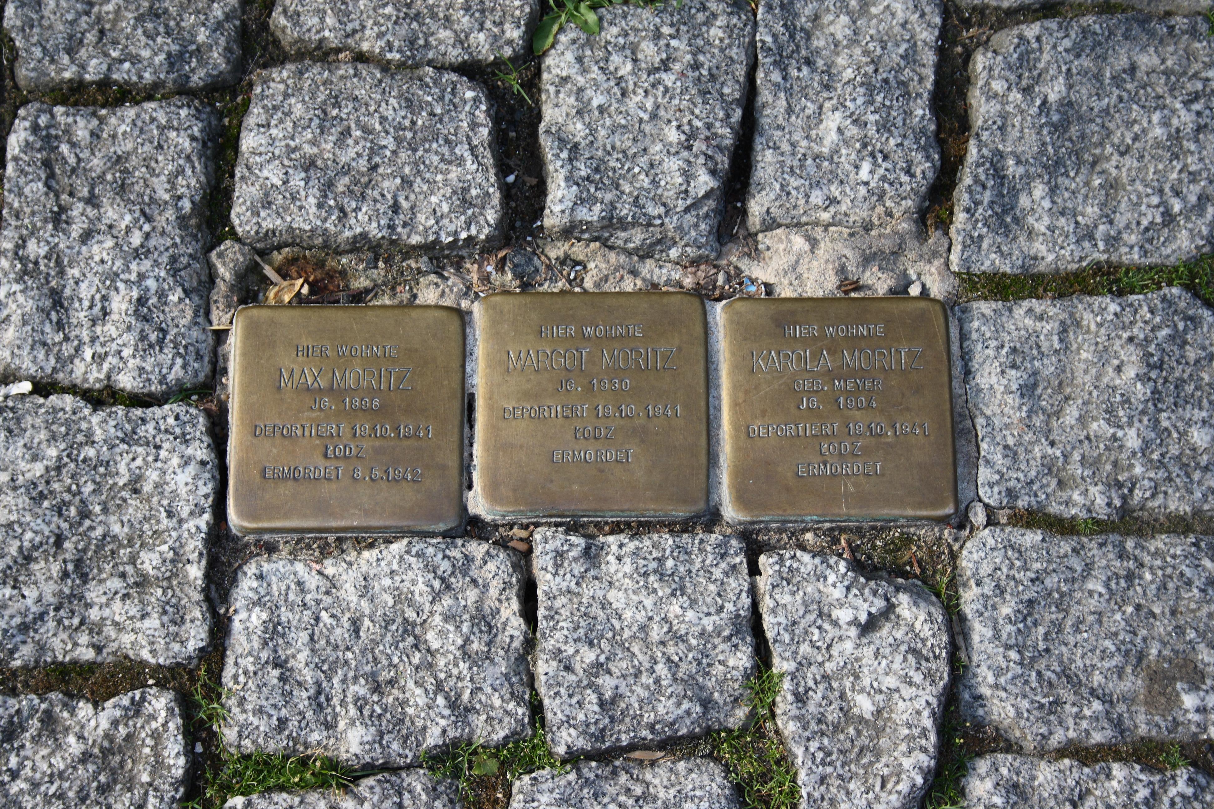 https://upload.wikimedia.org/wikipedia/commons/9/9a/Gelnhausen_Stolpersteine_178.JPG